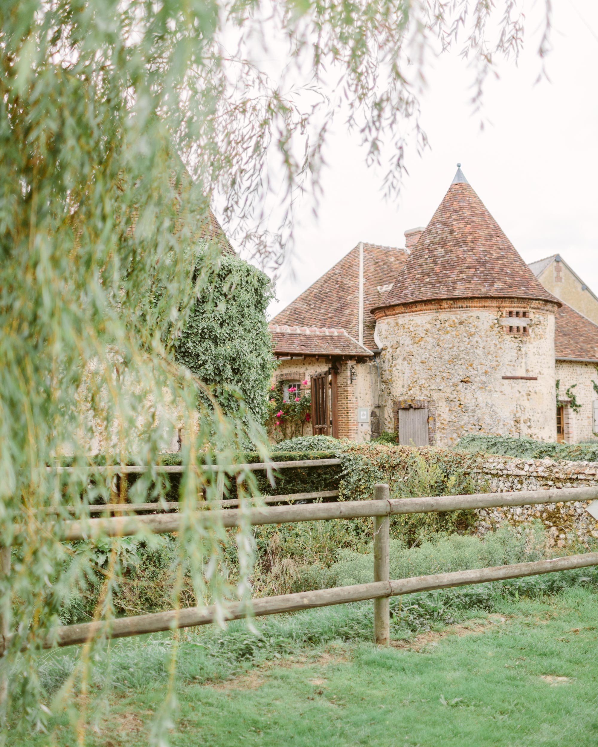 anneclaire-chris-wedding-france-venue-016-s113034-00716.jpg