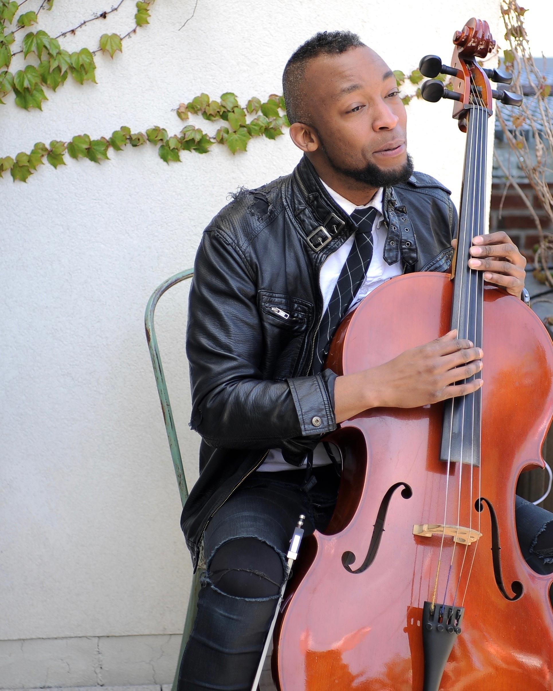 annie-atkinson-bridal-shower-cellist-gabriel-royal-0616.jpg