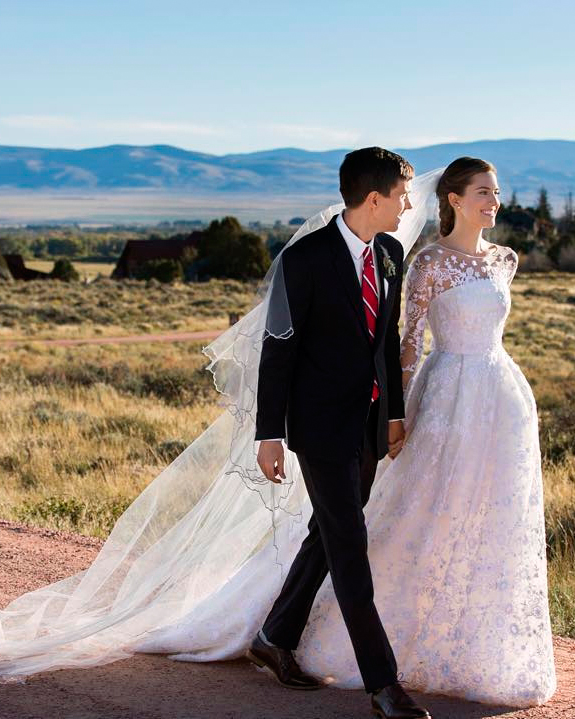 allison-williams-wedding-dress-1015.jpg