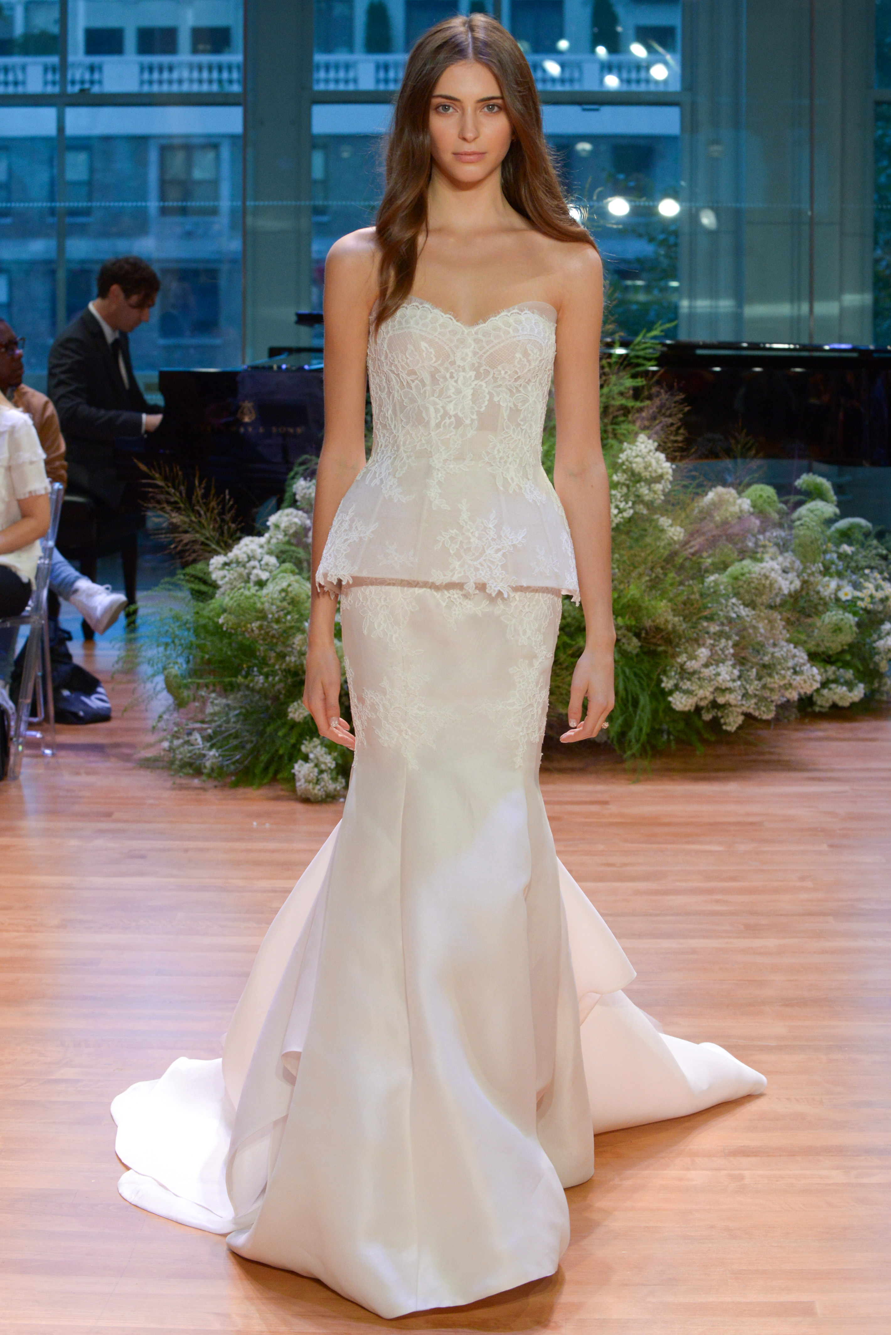 Monique Lhuillier Fall 2017 Wedding Dress Collection