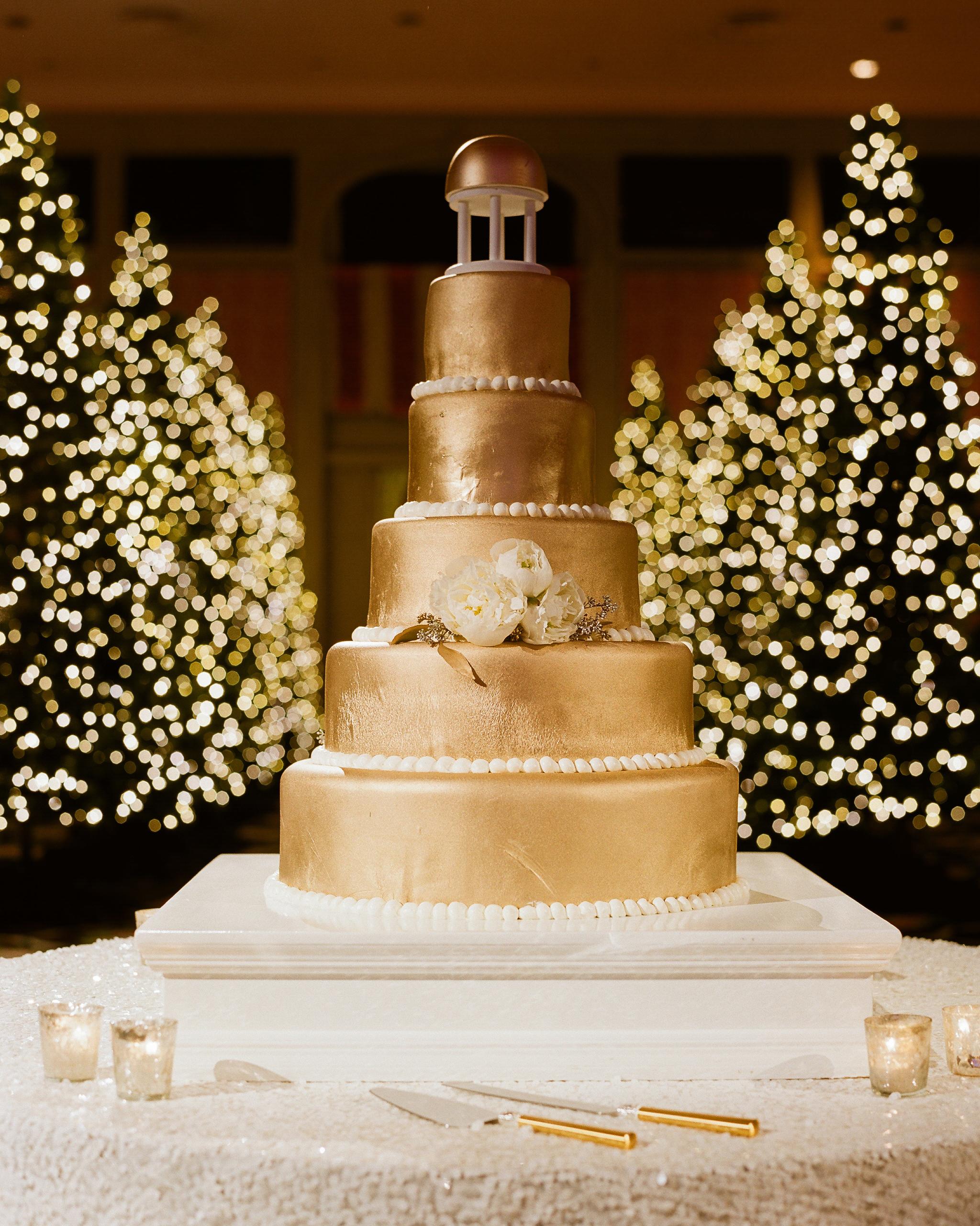 paige-michael-wedding-cake-0947-s112431-1215.jpg