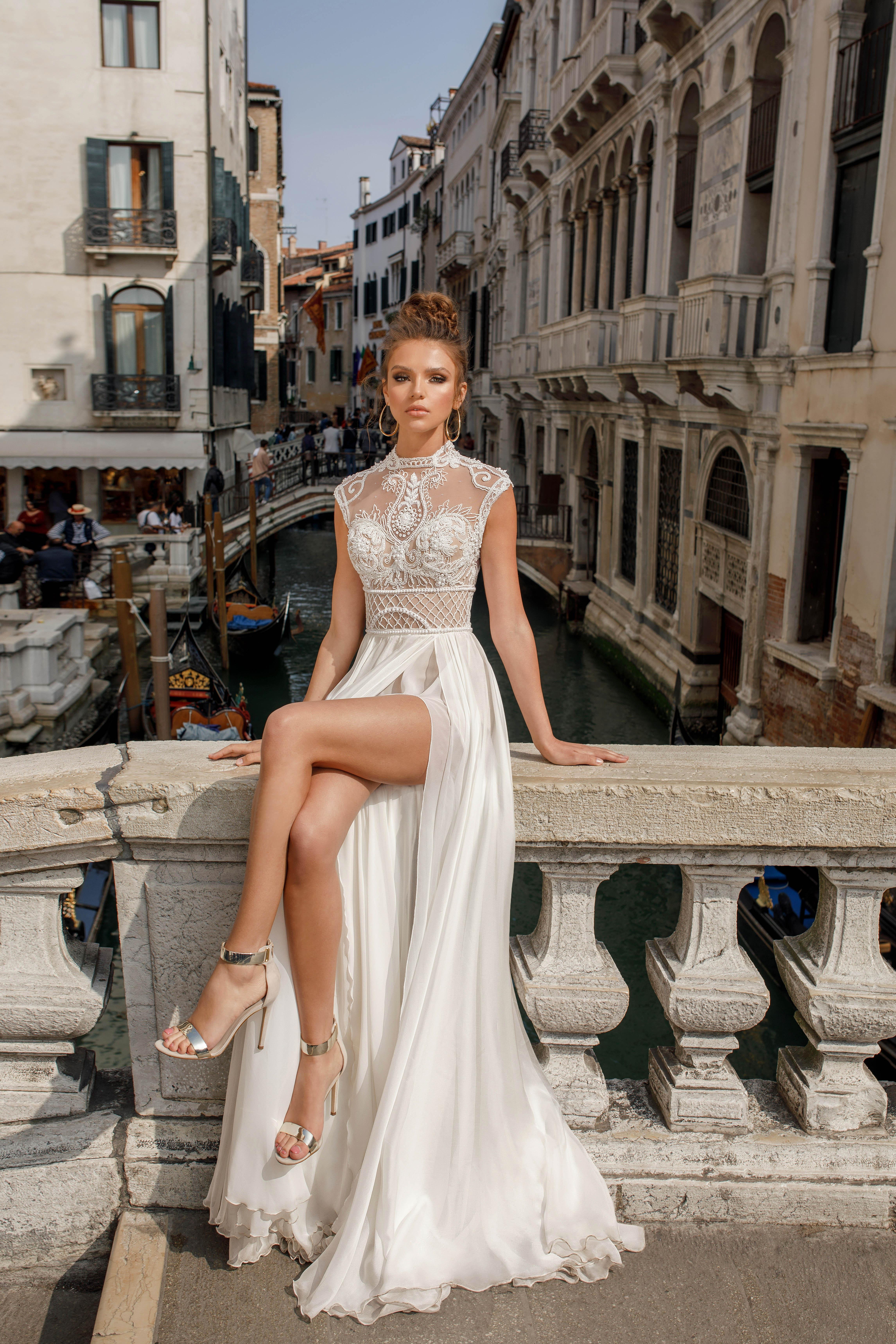 high neck lace julie vino wedding dress spring2018