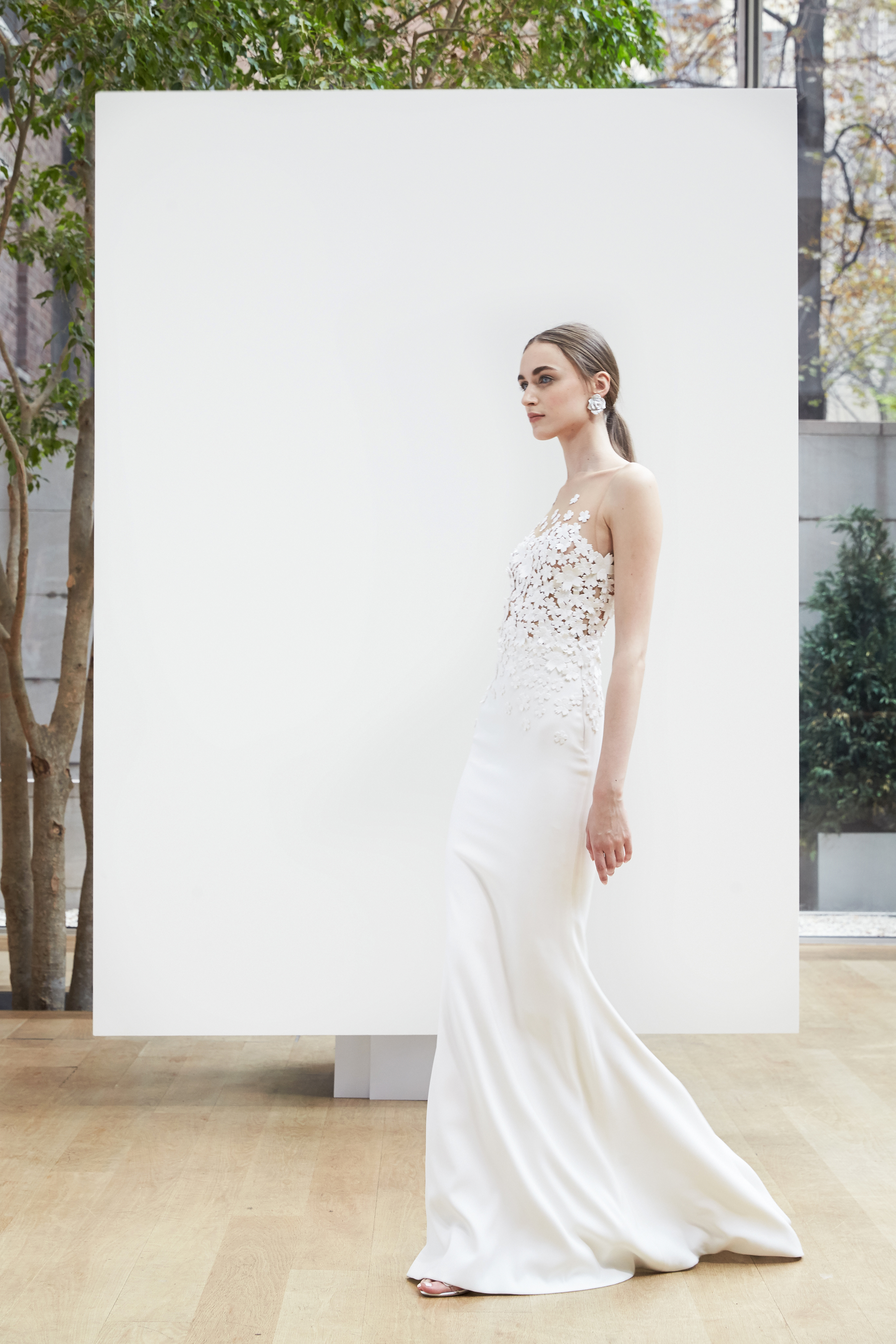 illusion trumpet Oscar de la Renta Spring 2018 Wedding Dress Collection