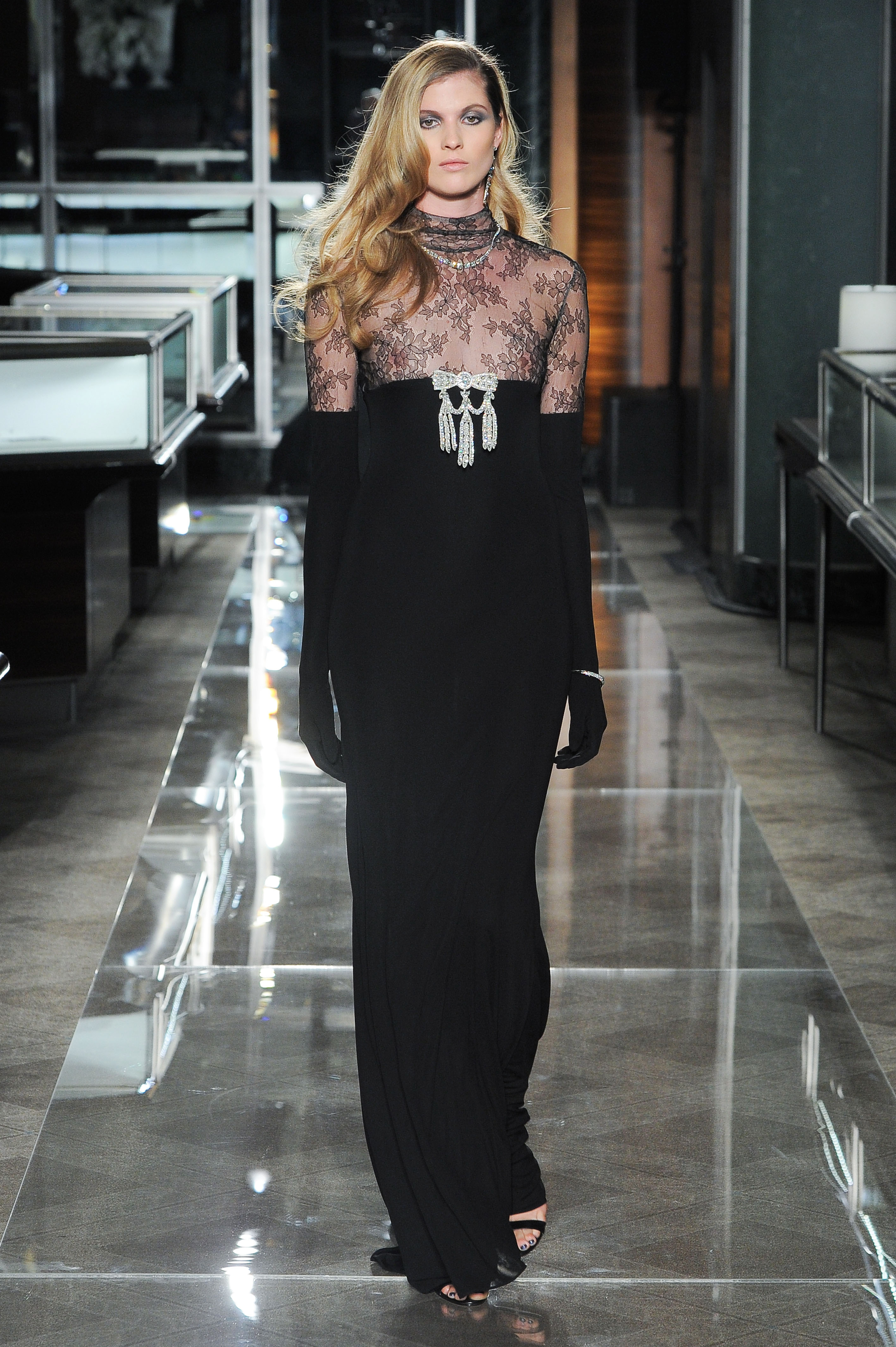 reem acra spring 2018 black wedding dress with lace
