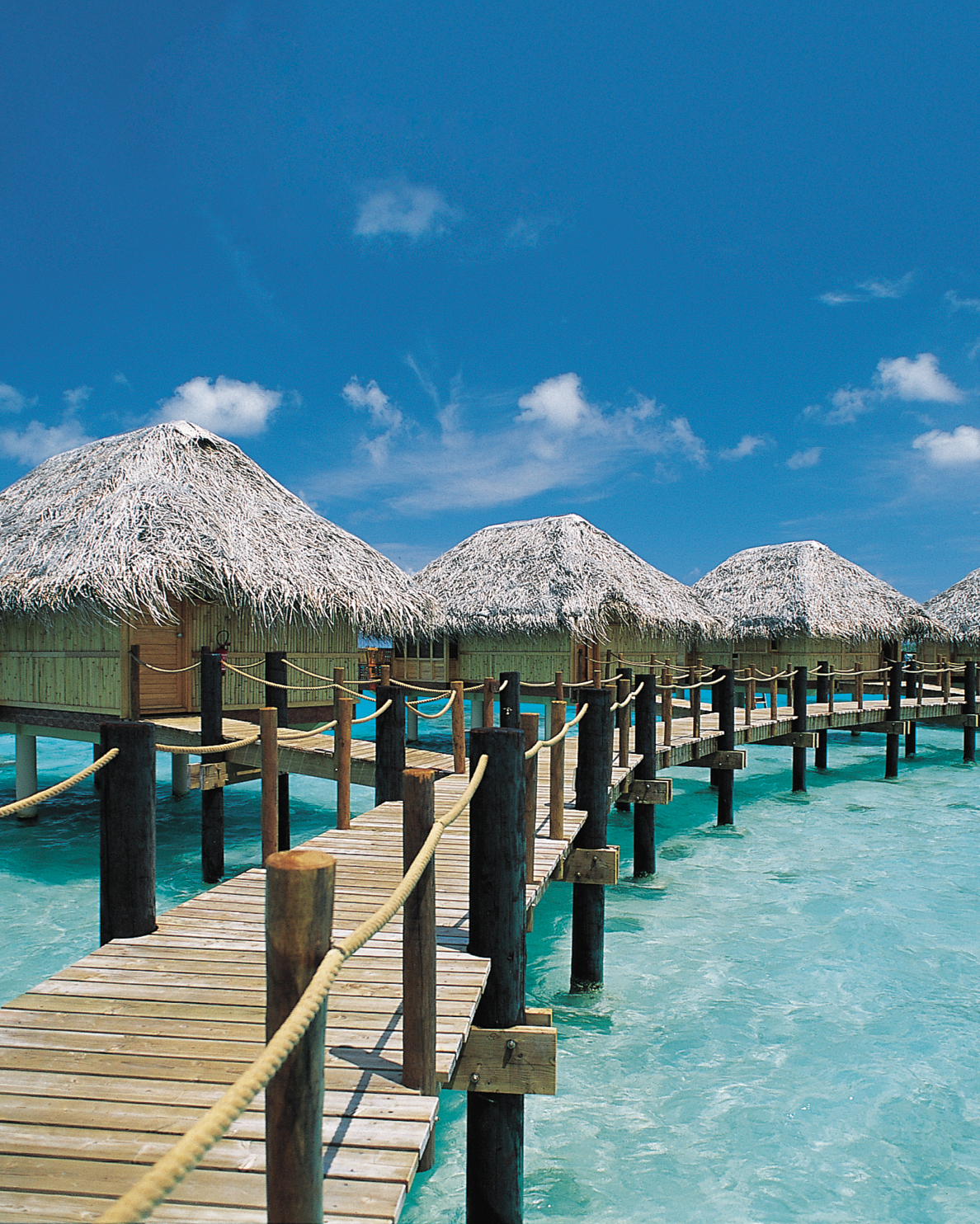 177-hiresolution-xmh-02-overwater-bungalow-hd-mwds108872.jpg