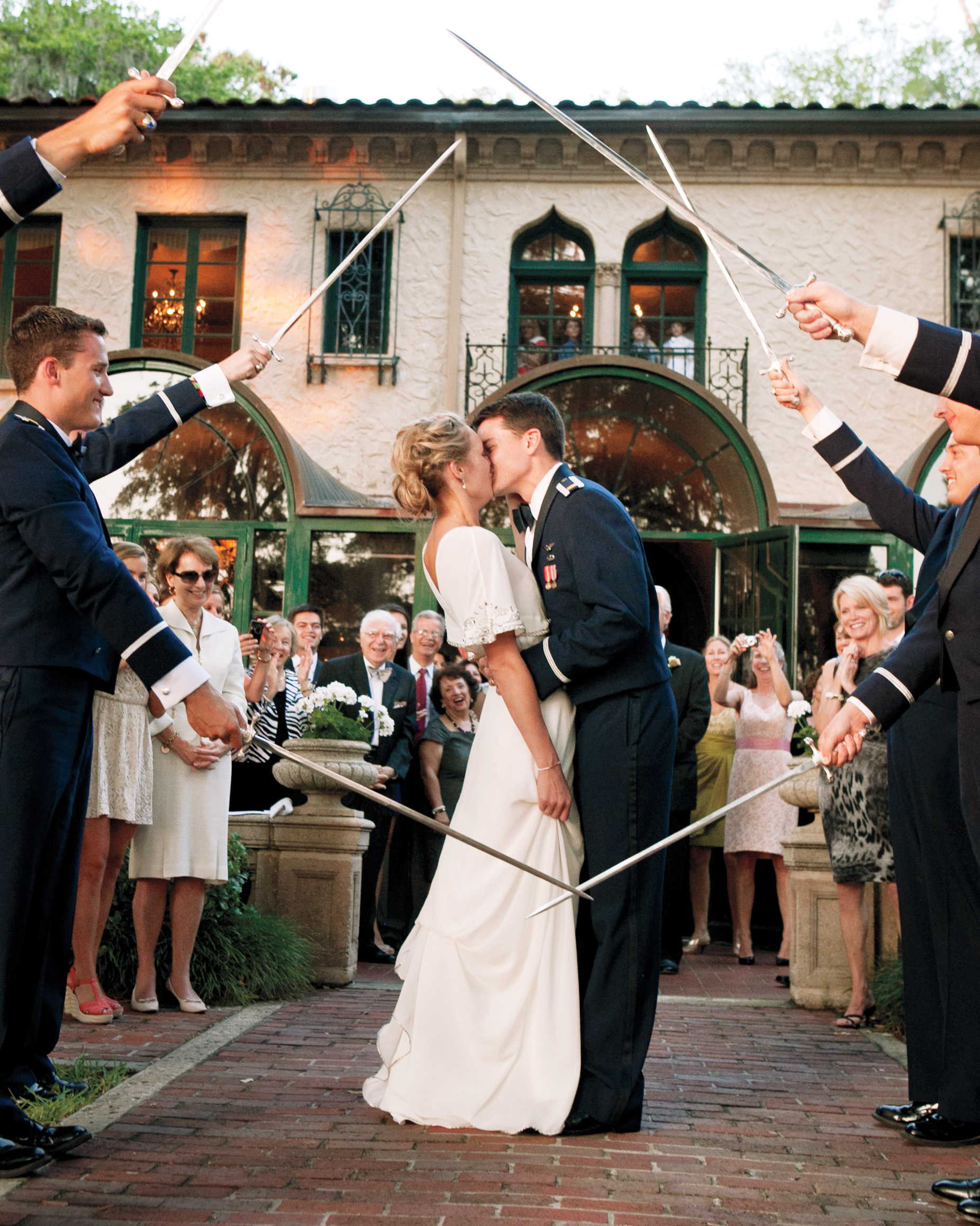5 Ways To Honor Your Military Bride Or Groom On Your Wedding
