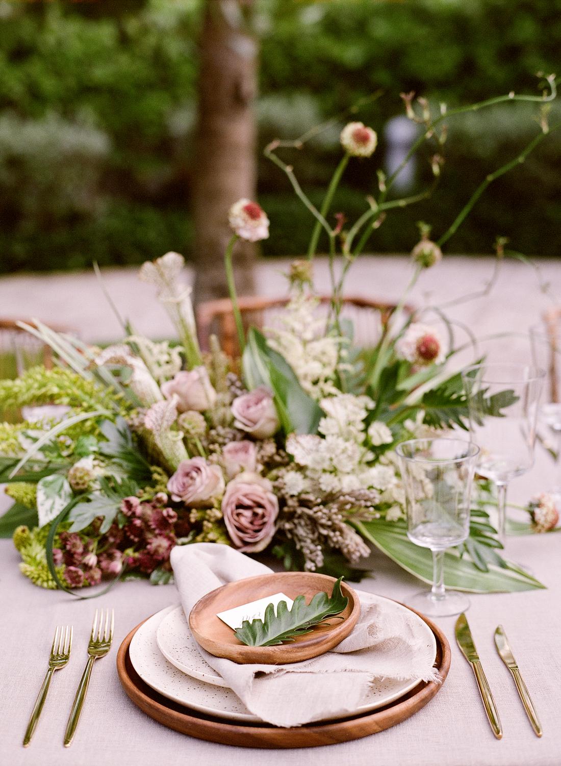 mauve and green wedding color scheme