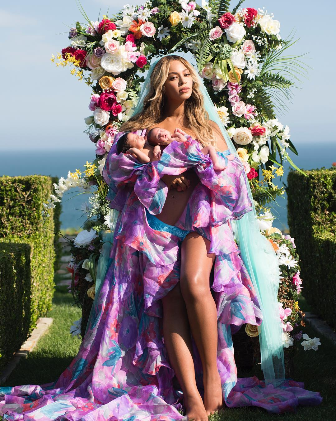 Beyonce shares first photo of twins Sir and Rumi