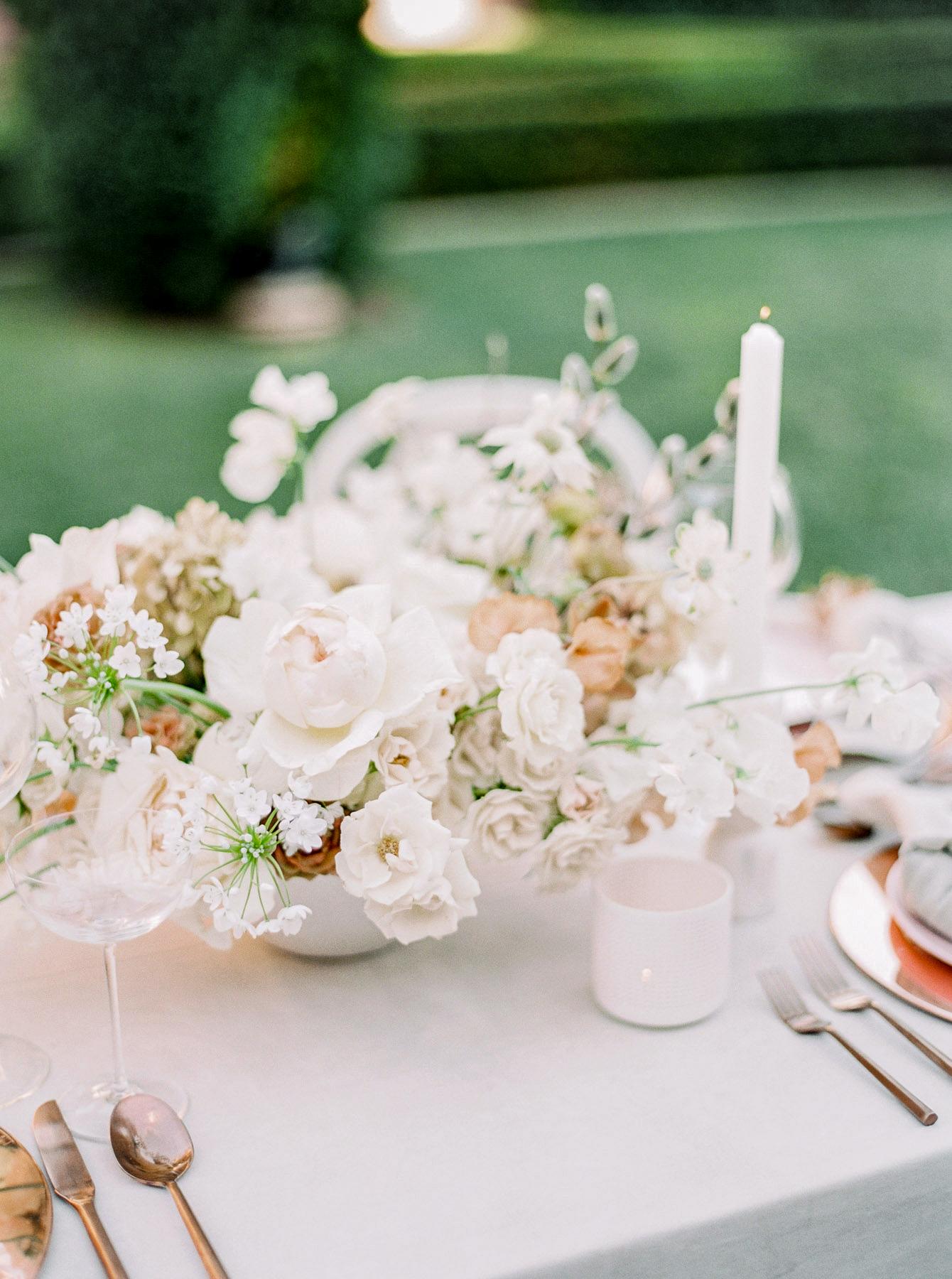 summer wedding centerpieces bright white floral