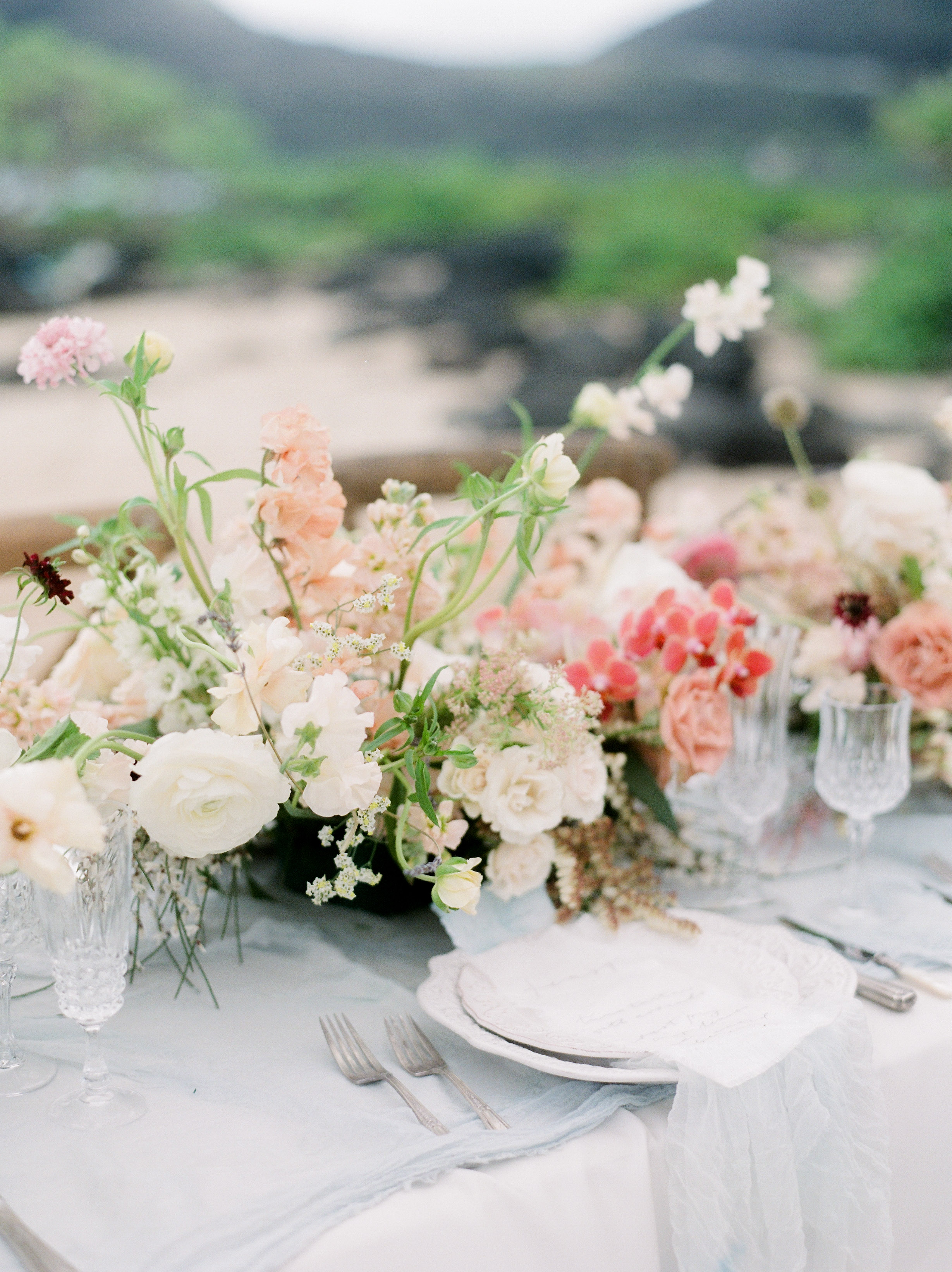 summer wedding centerpieces pink gradient floral