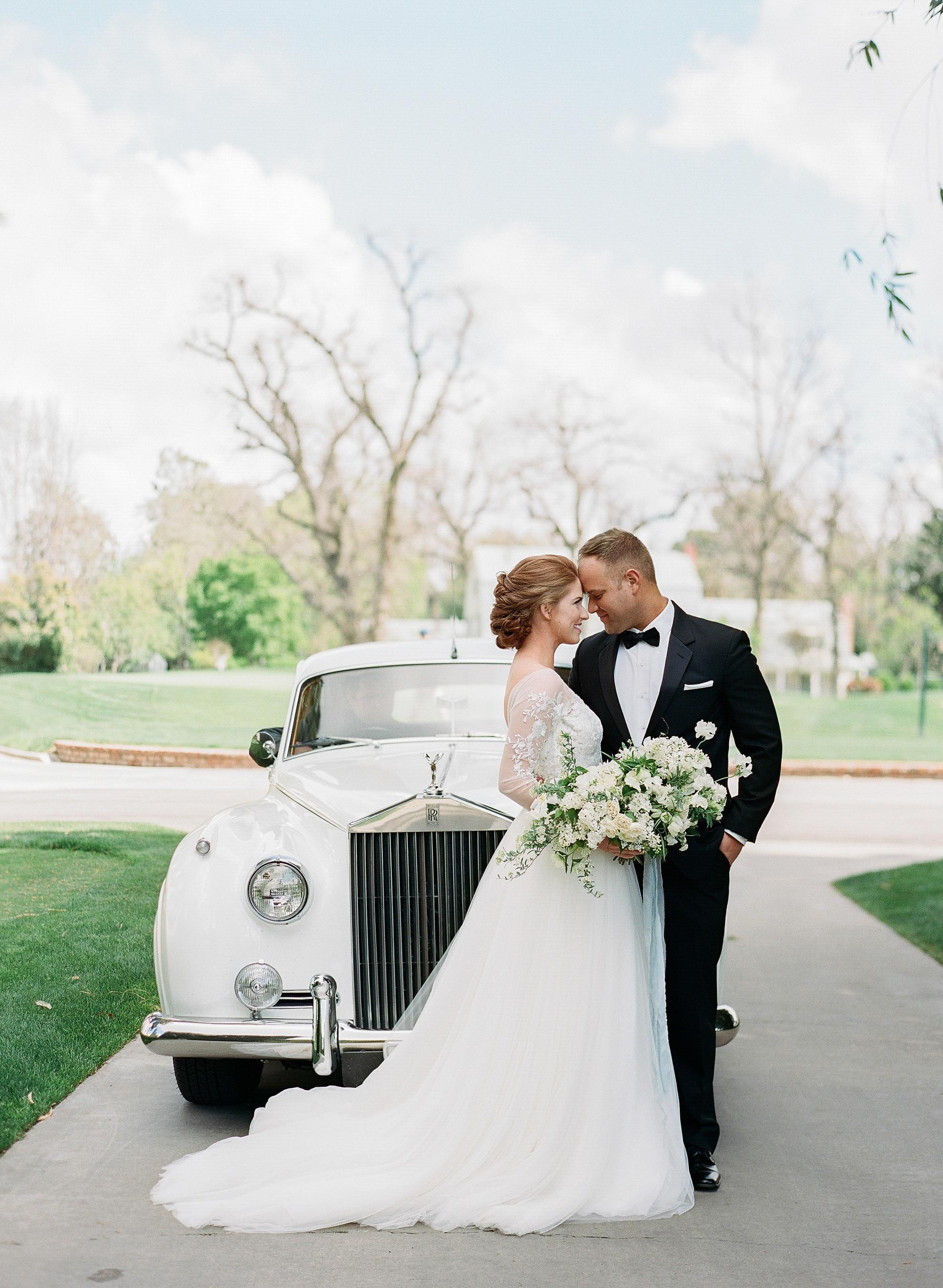 wedding couple car