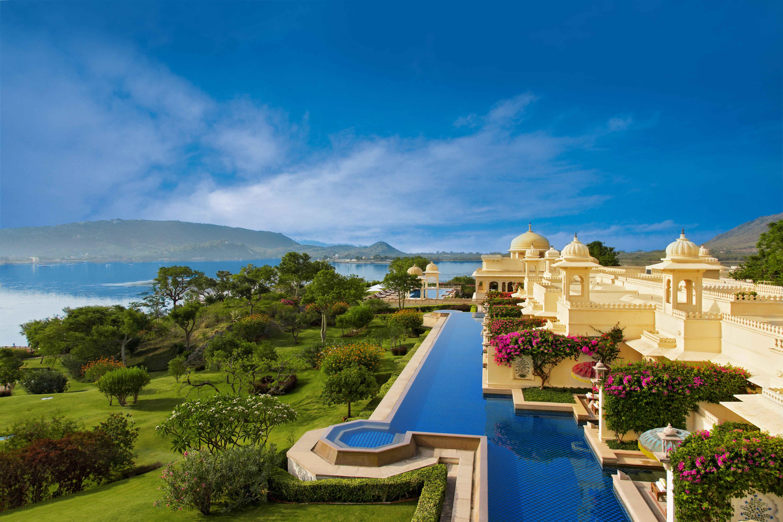 india resort pool