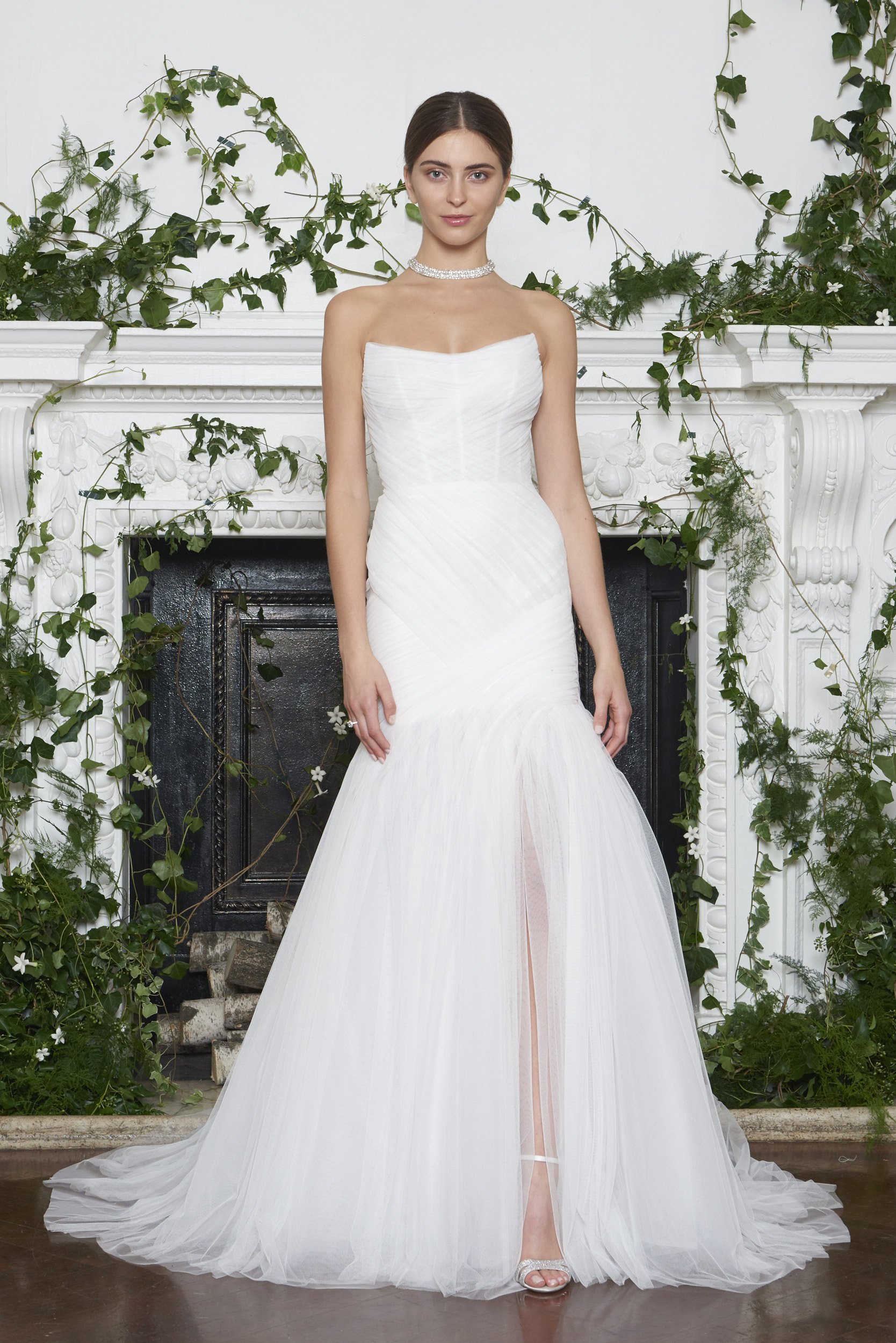 Monique Lhuillier Fall 2018 Strapless Trumpet Gown with Pleated Bodice