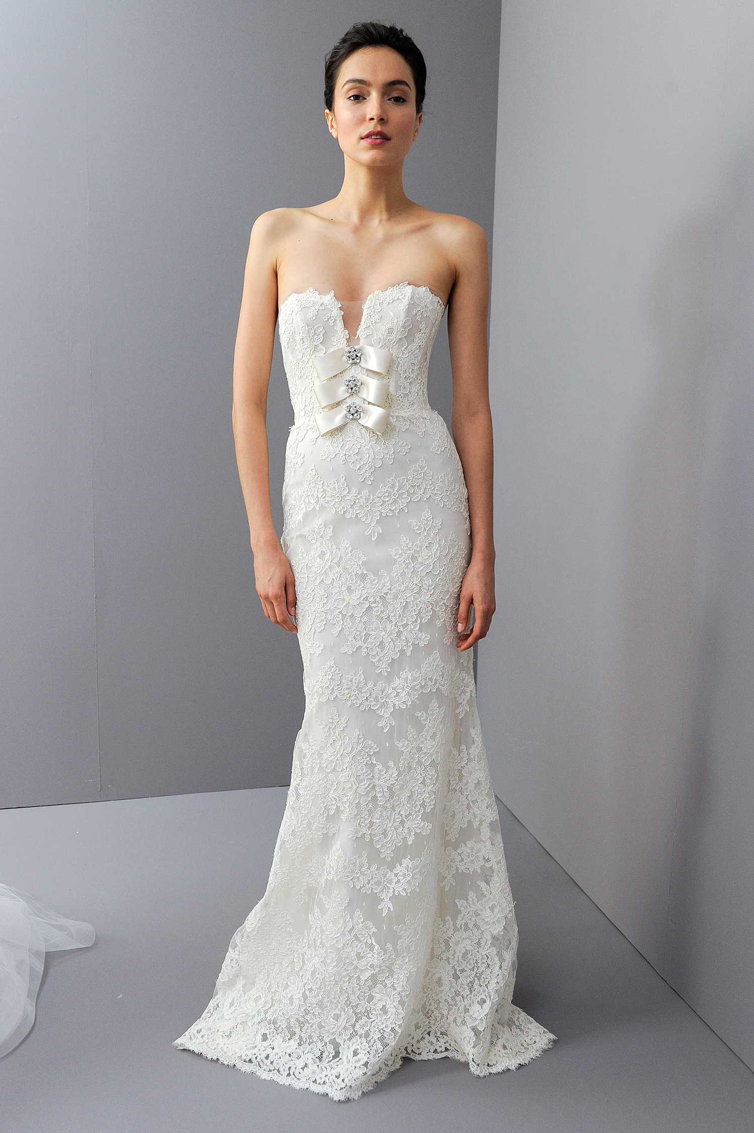 amsale fall 2018 lace embroidered with ribbon detail
