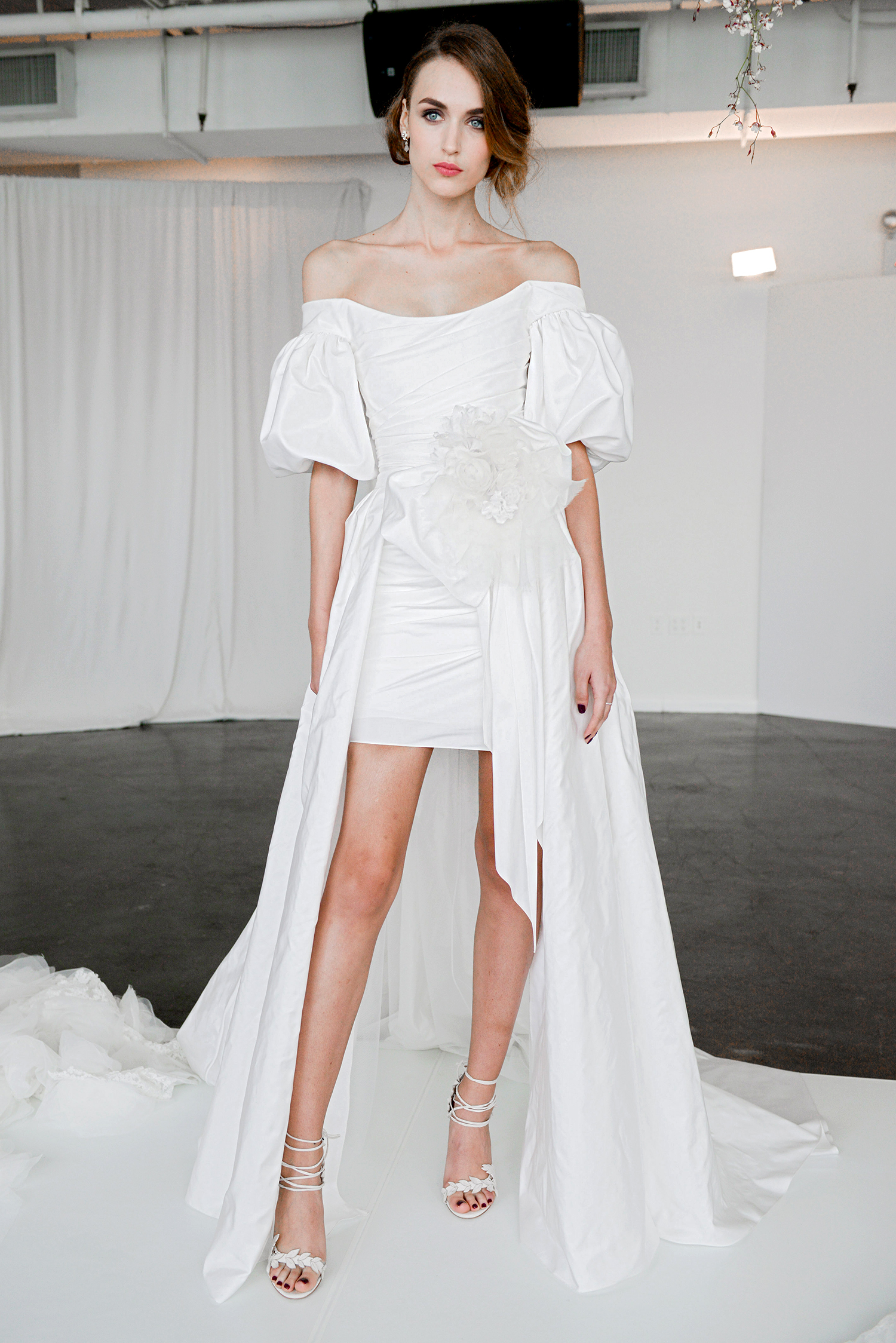 marchesa fall 2018 layered flouncy sleeves with bow