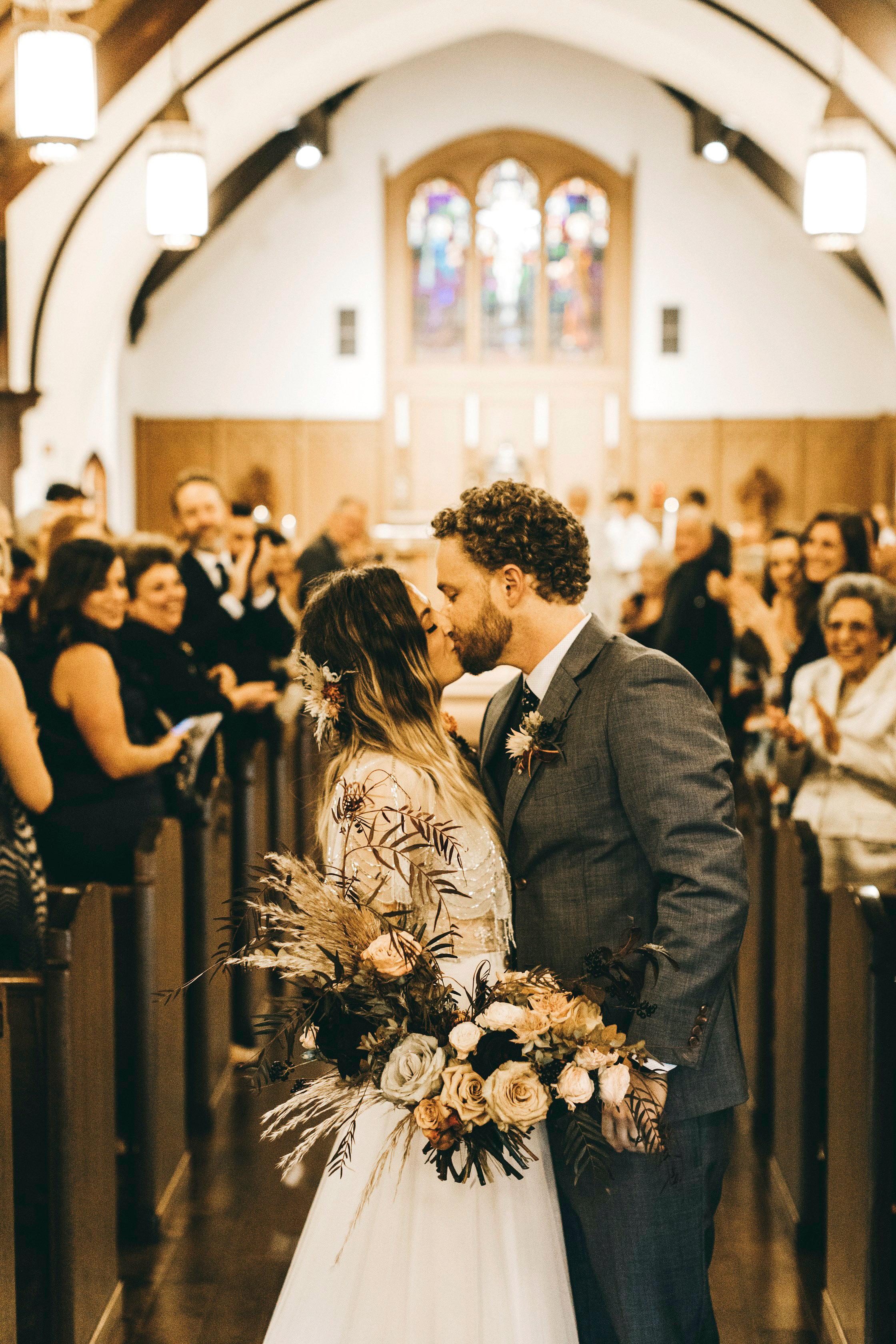 lori john wedding california kiss