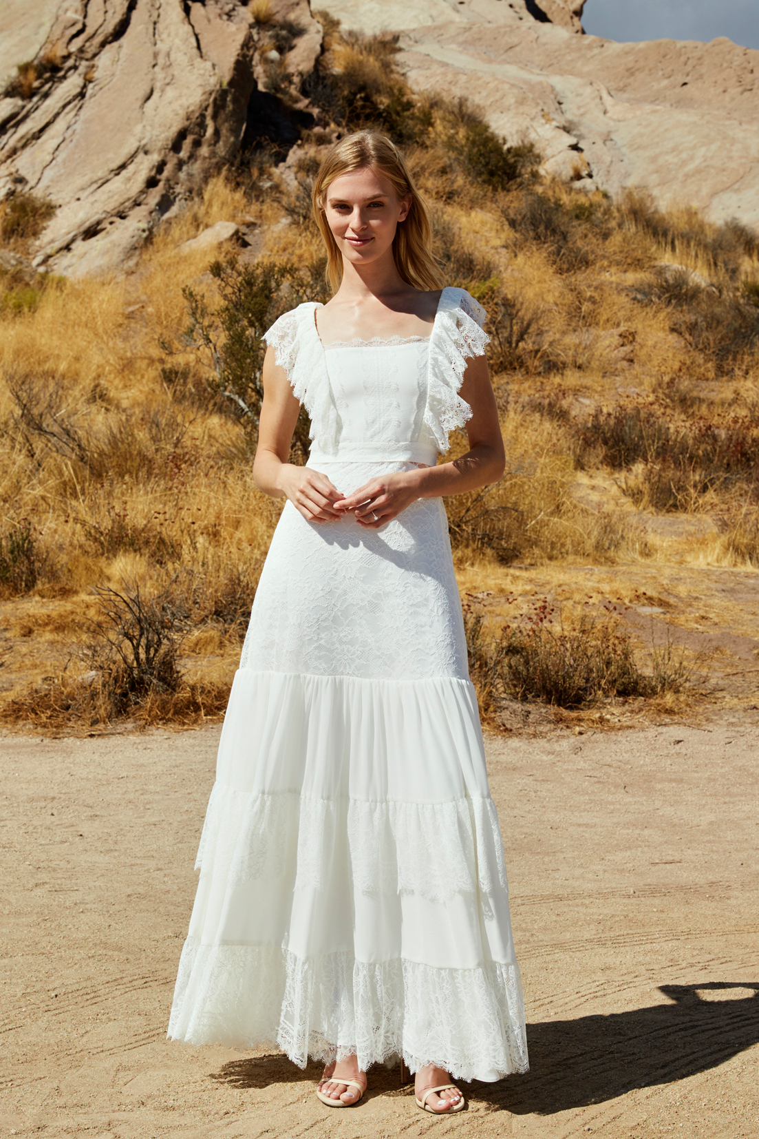 savannah miller fall 2018 tiered lace sleeve wedding dress