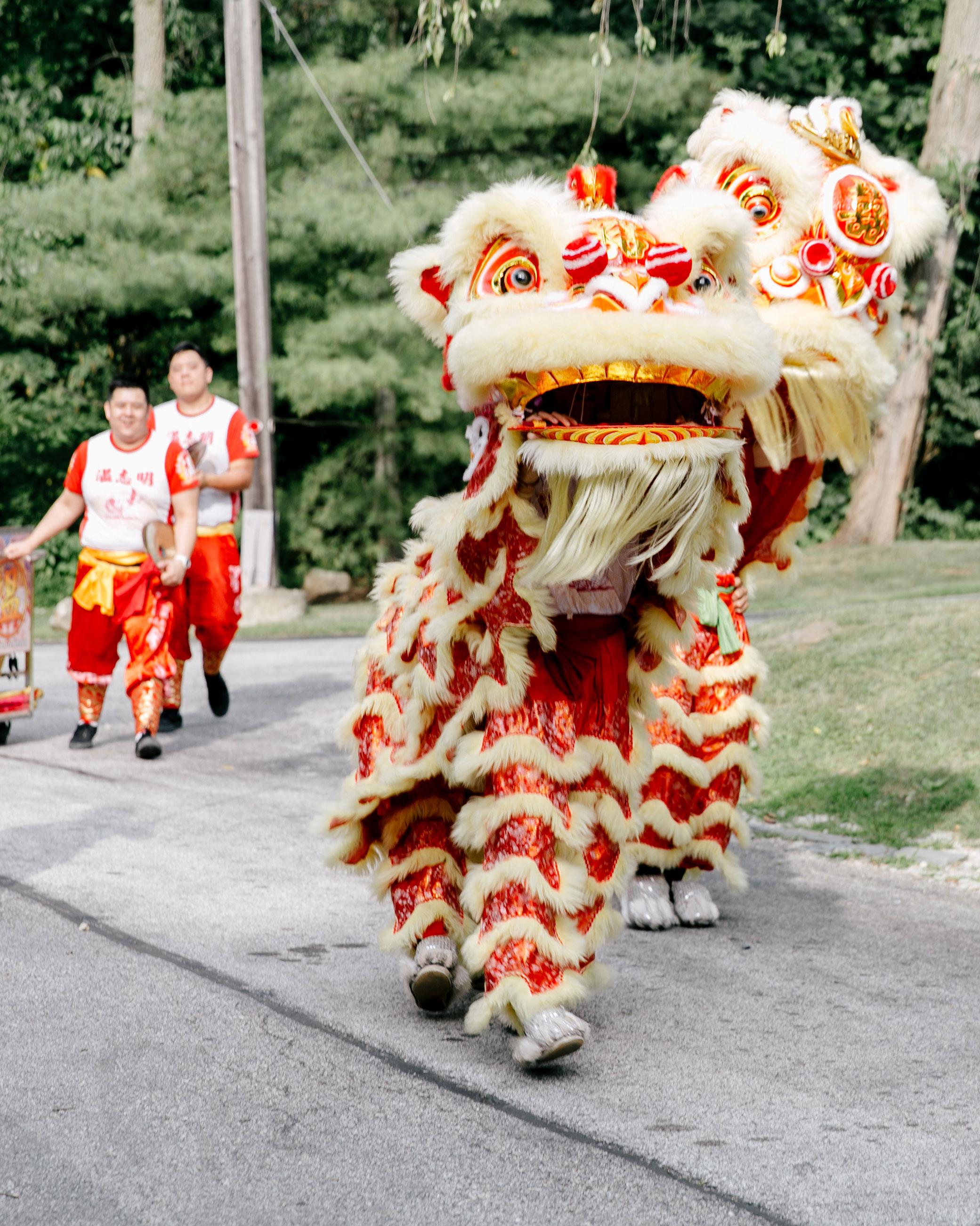 susan-tom-wedding-liondance-250-s112692-0316.jpg
