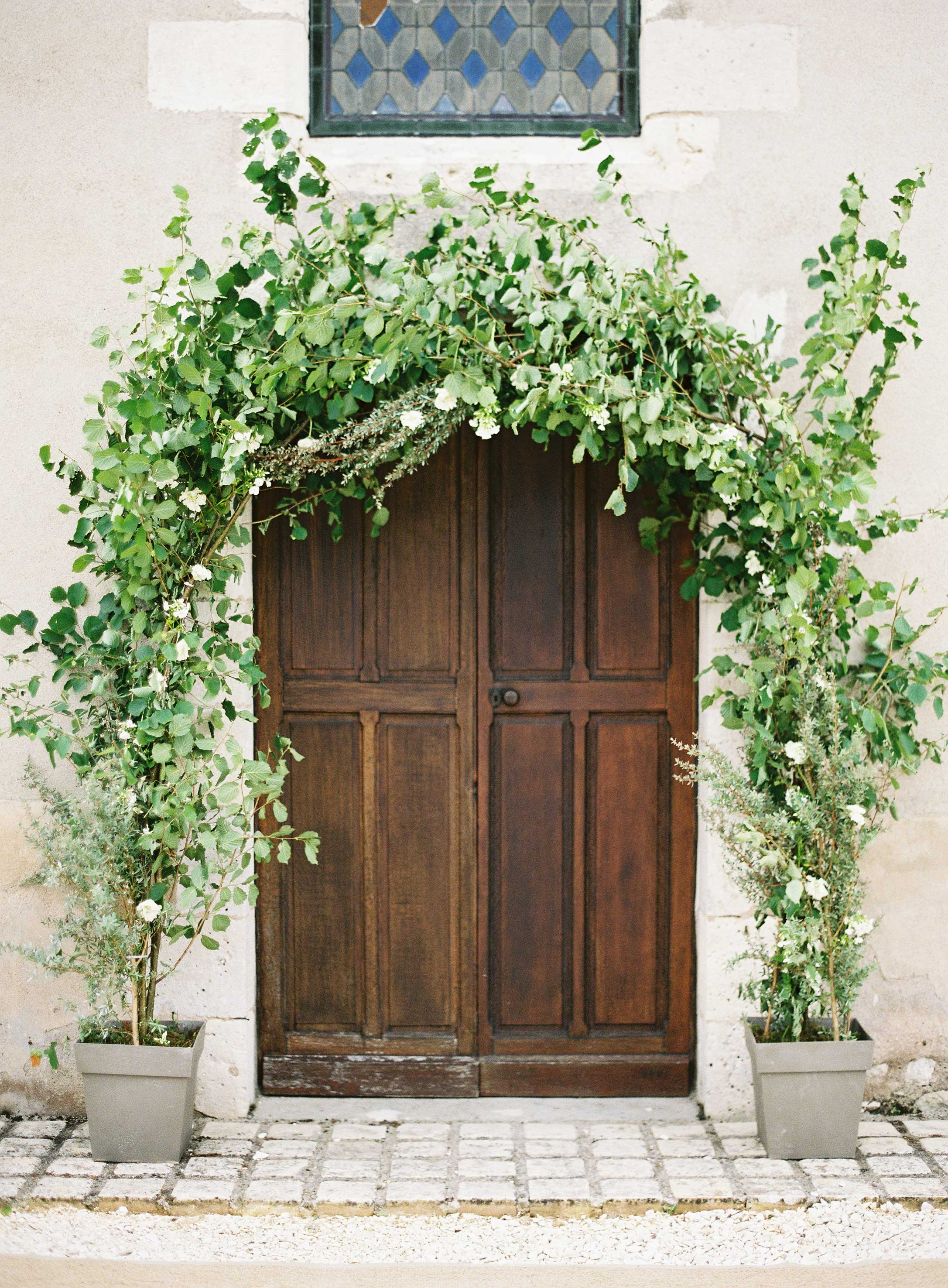 wedding arch doorway