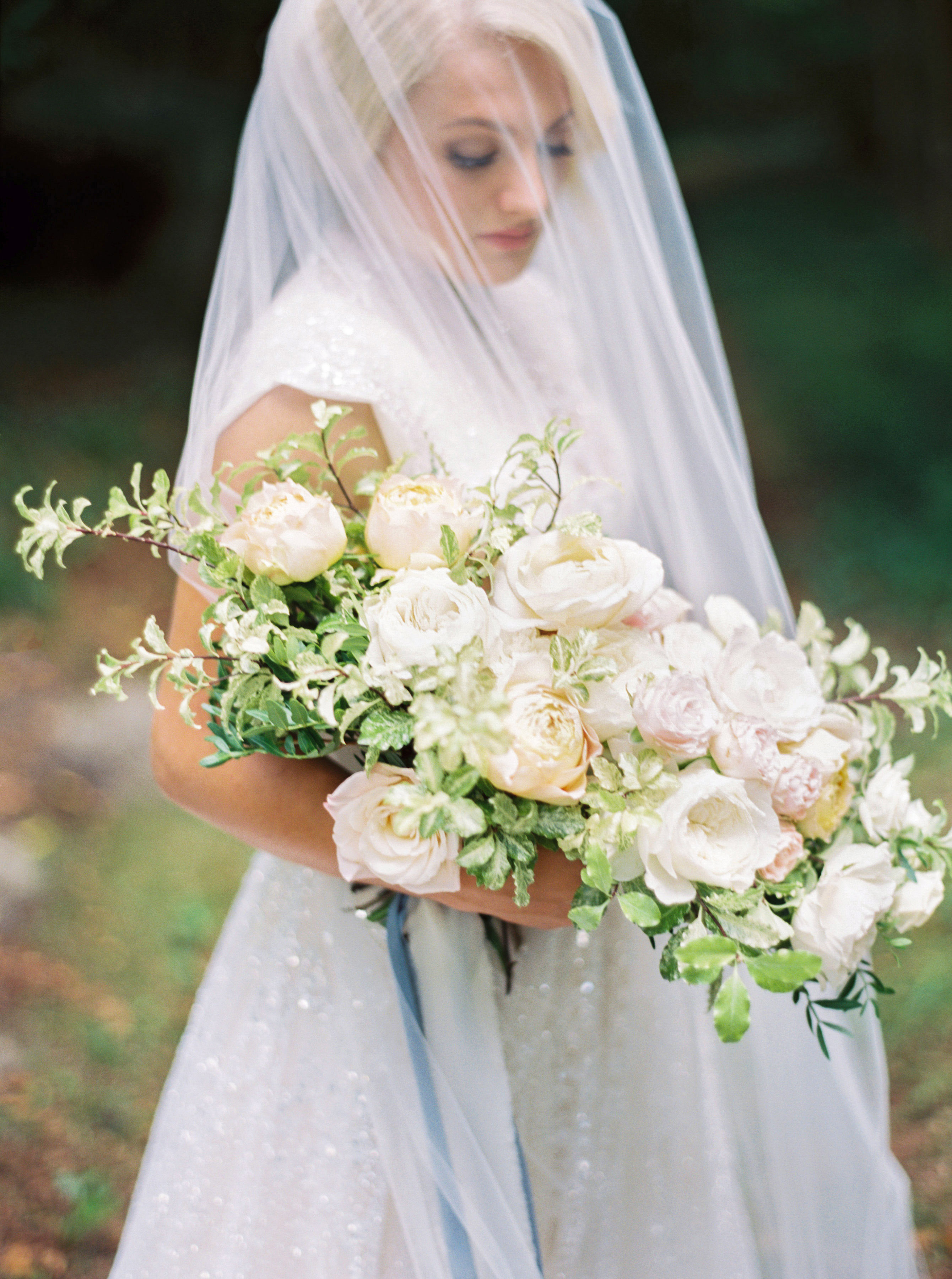 rachael cameron wedding bouquet