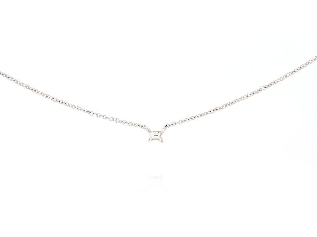 delicate gold necklace Eric Trabert