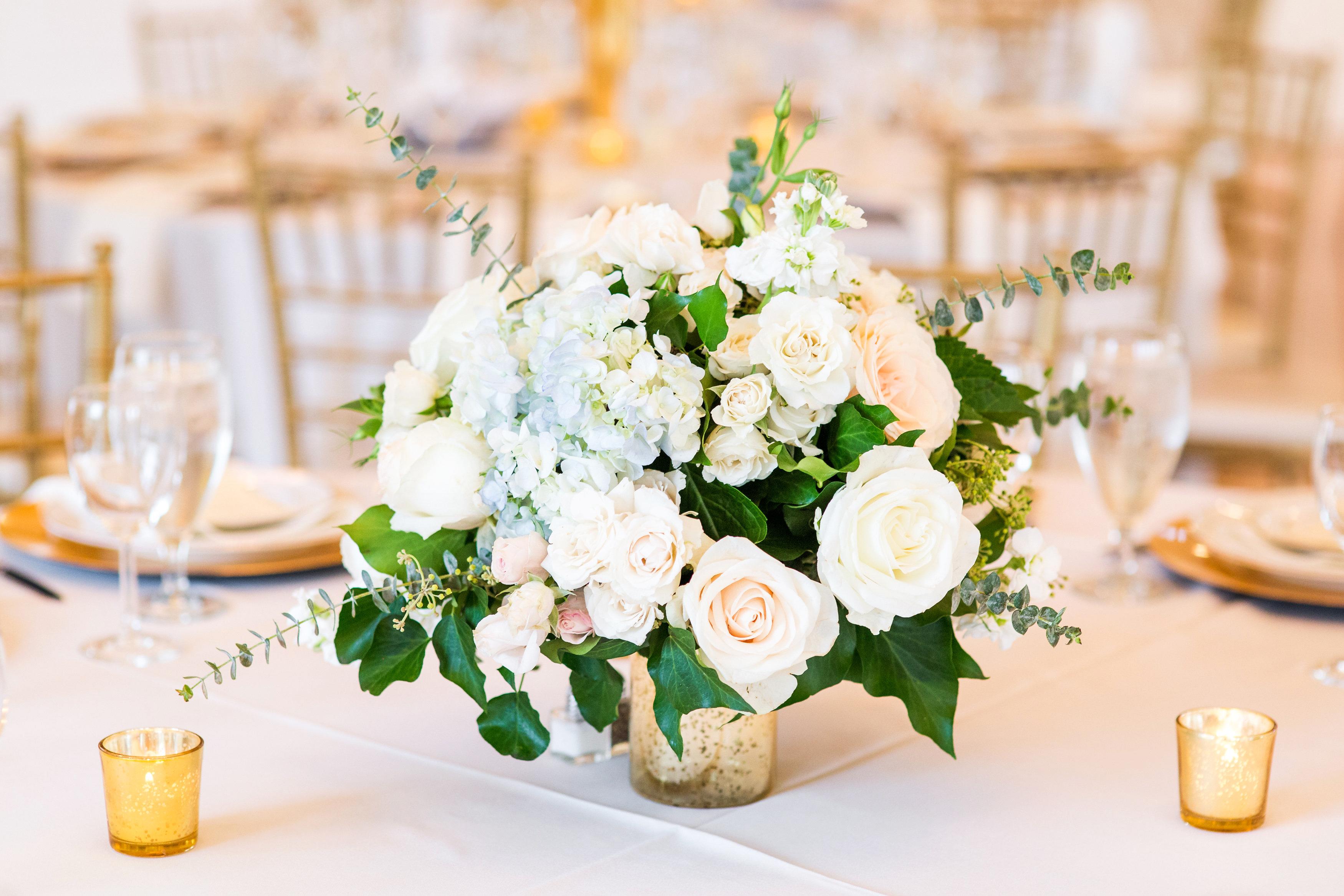 kenisha wendall wedding centerpieces flowers candles