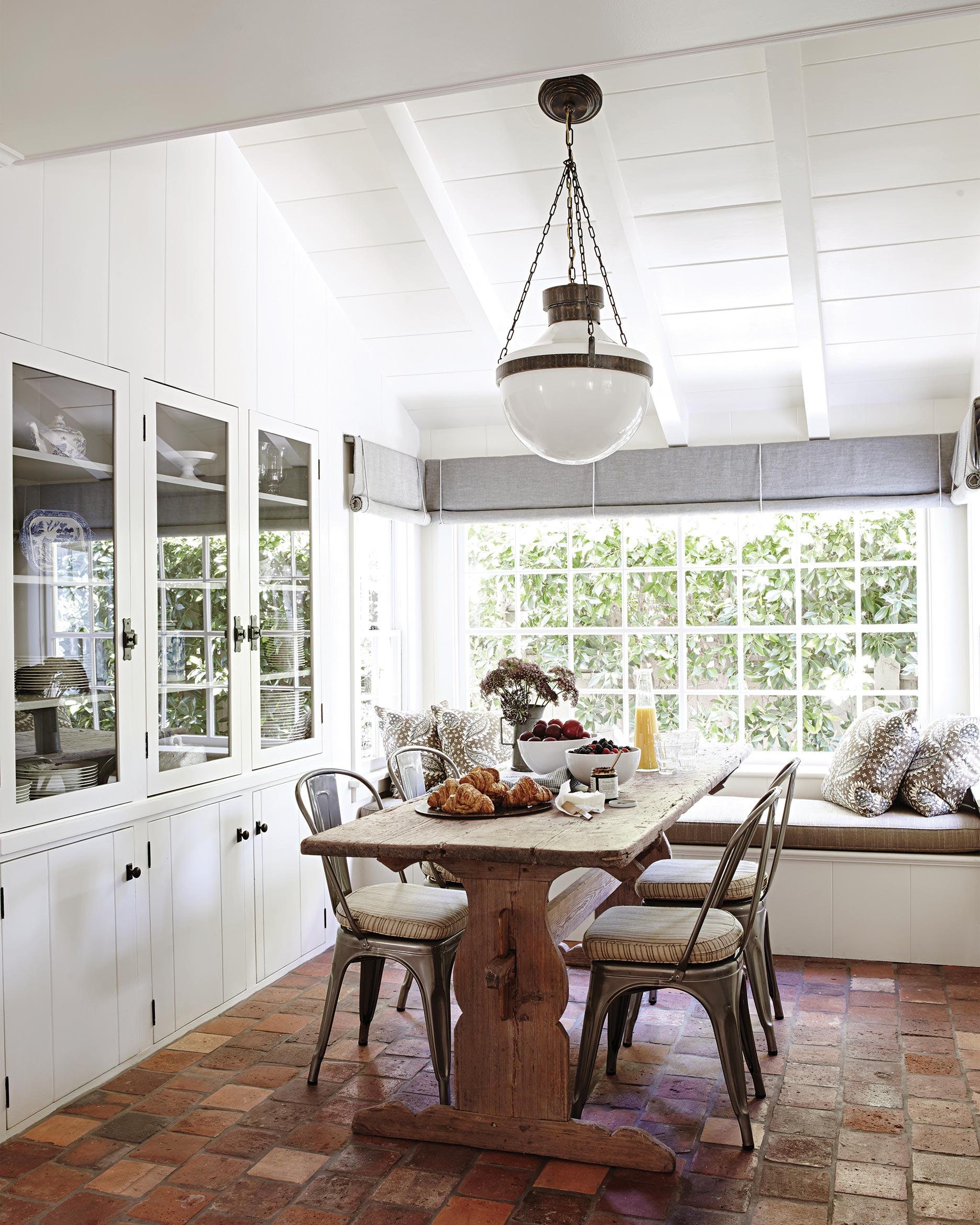 lurie-home-furniture-kitchen-dining-322-d112278.jpg