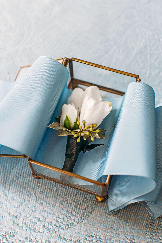 washington dc wedding boutonniere in glass box