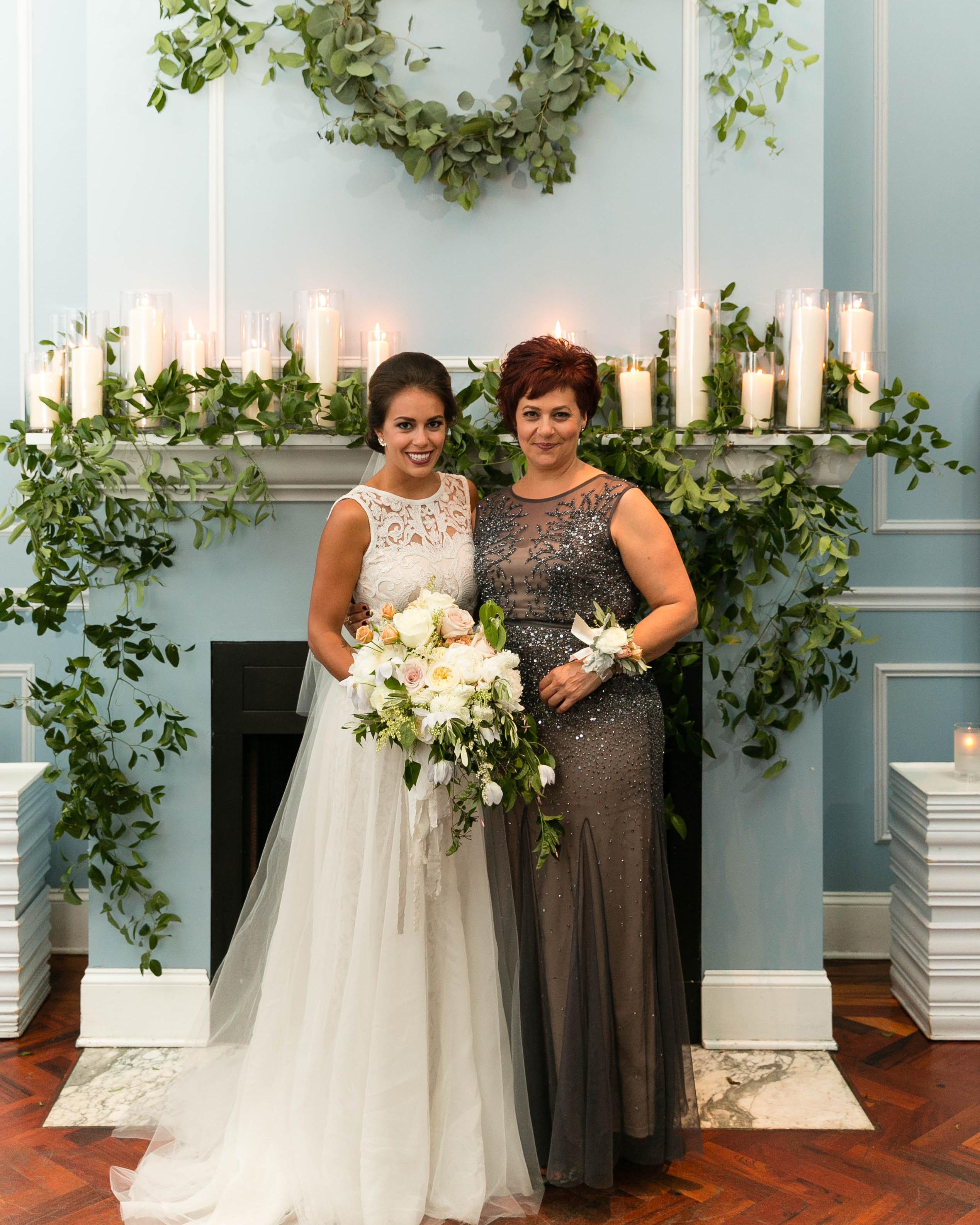 bianca-bryen-wedding-mom-379-s112509-0216.jpg