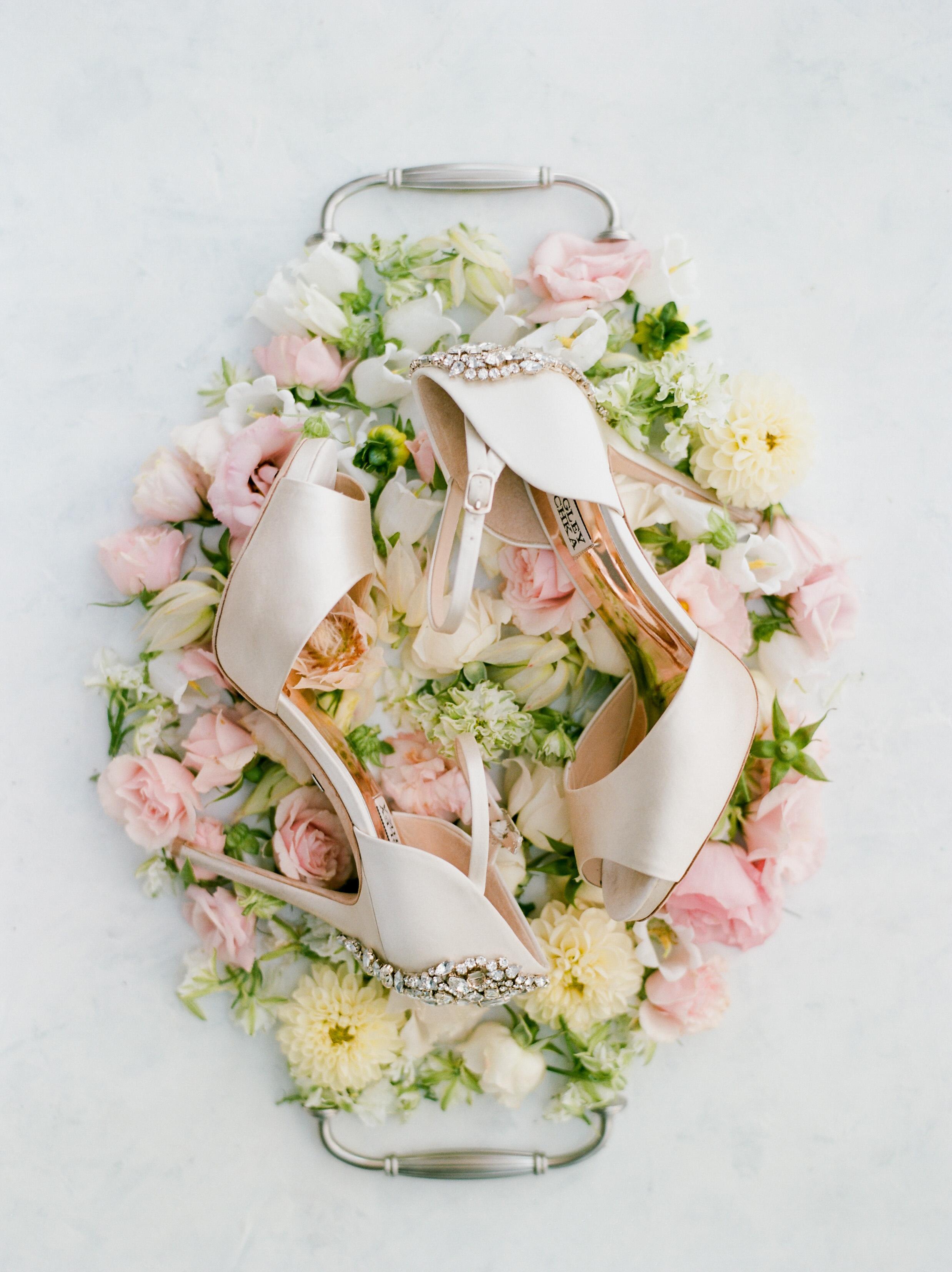 texas wedding badgley mischka shoes flower tray