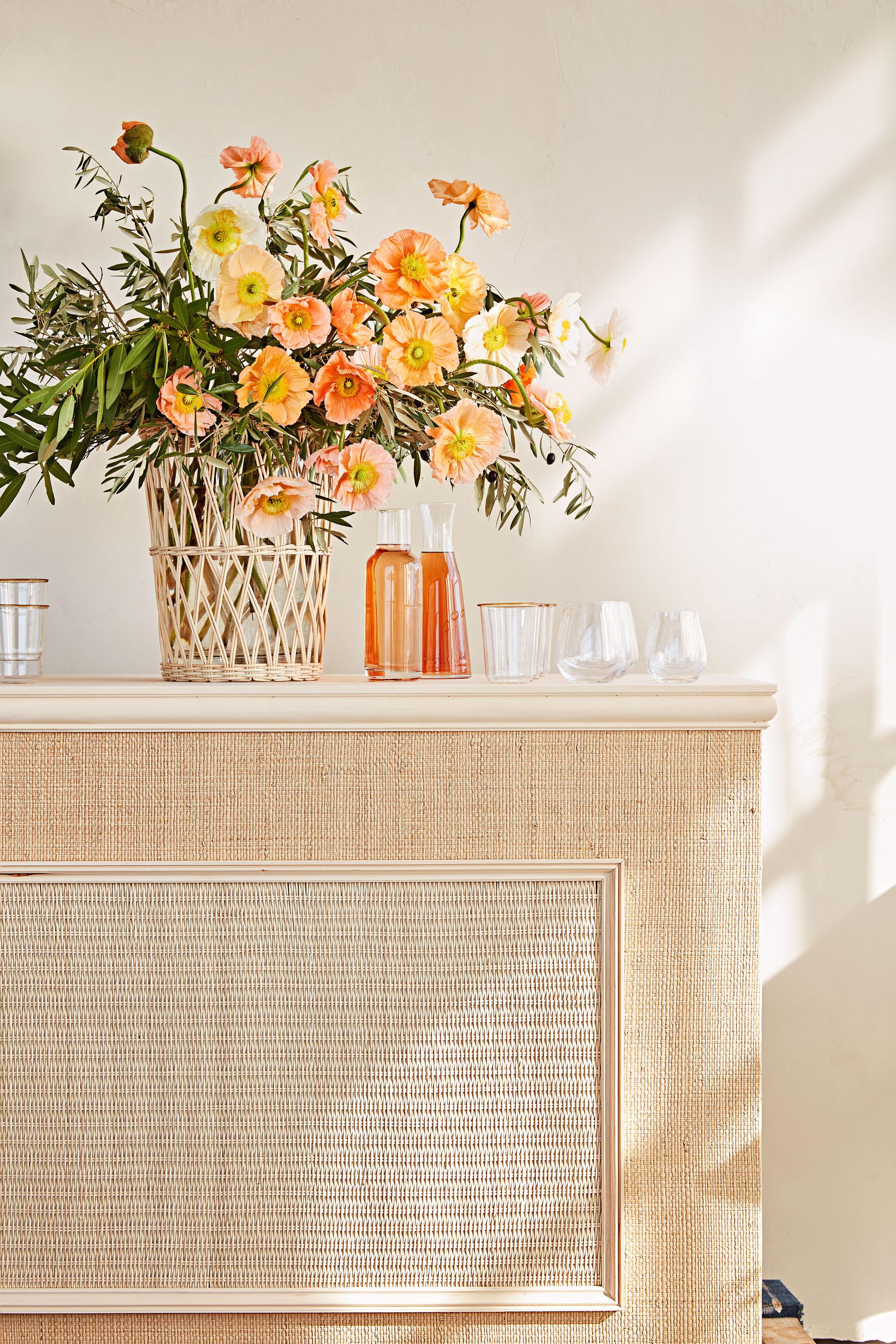 bar glasses woven vase