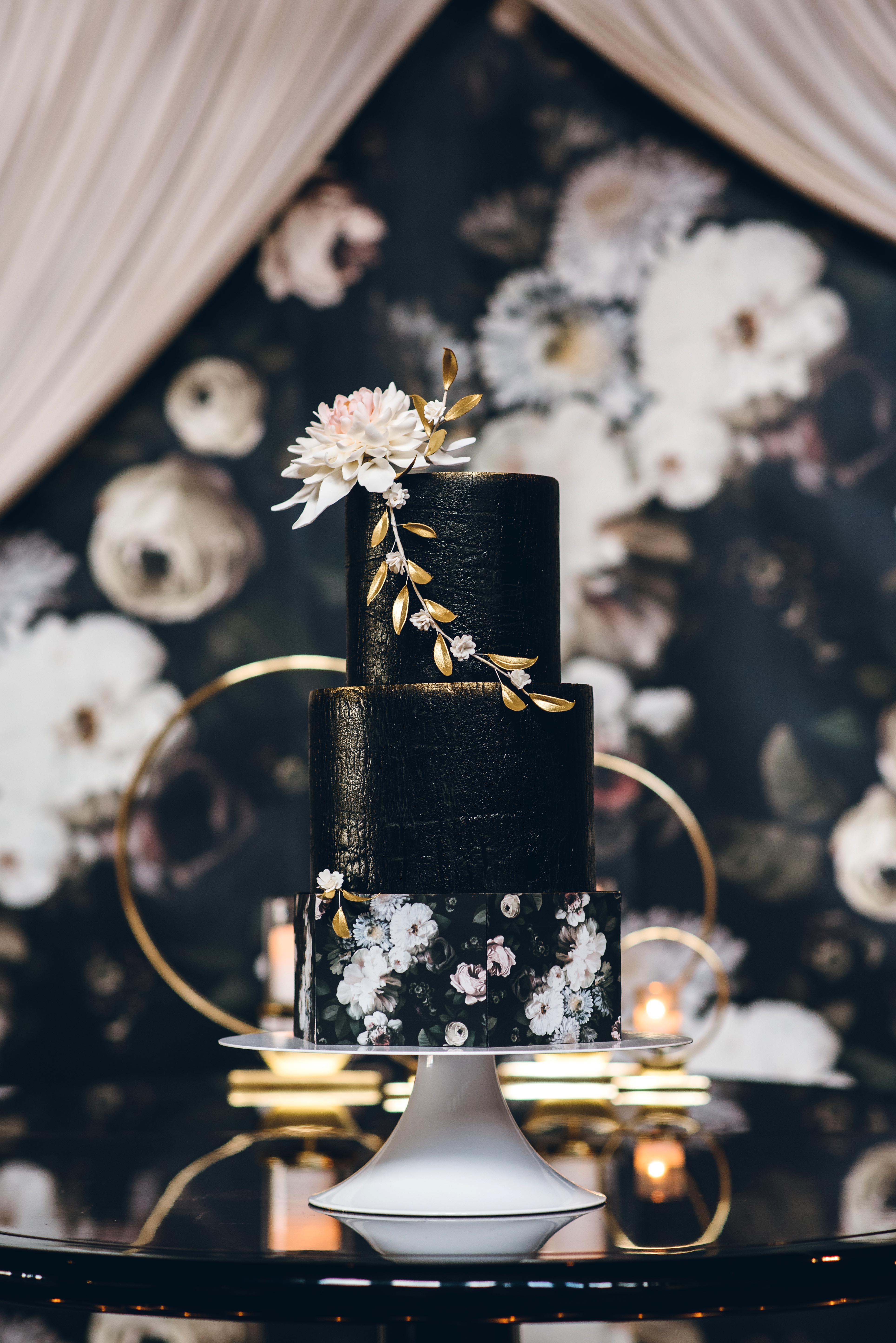 black wedding cake ed aileen photography sugarfixe