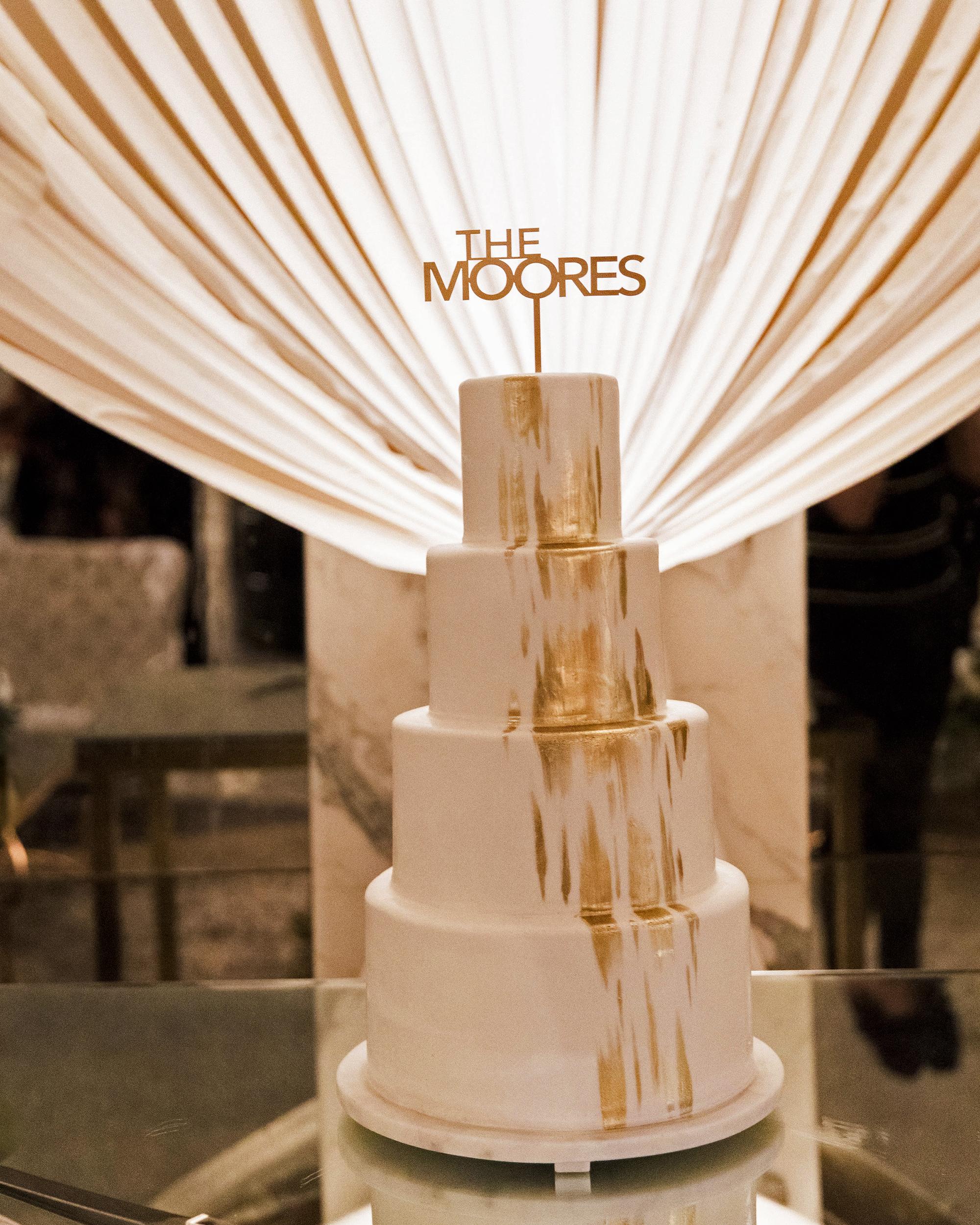 lyndsey magellan wedding cake