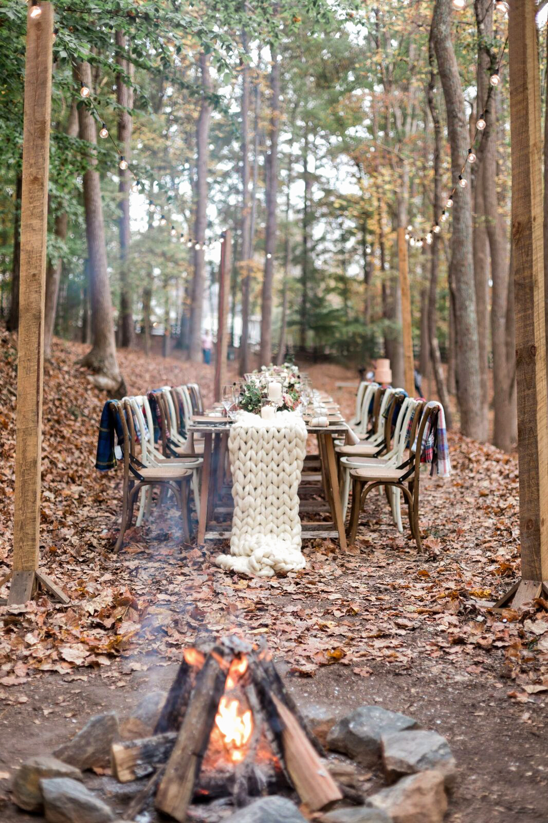winter rehearsal dinner outdoors with knit table runner
