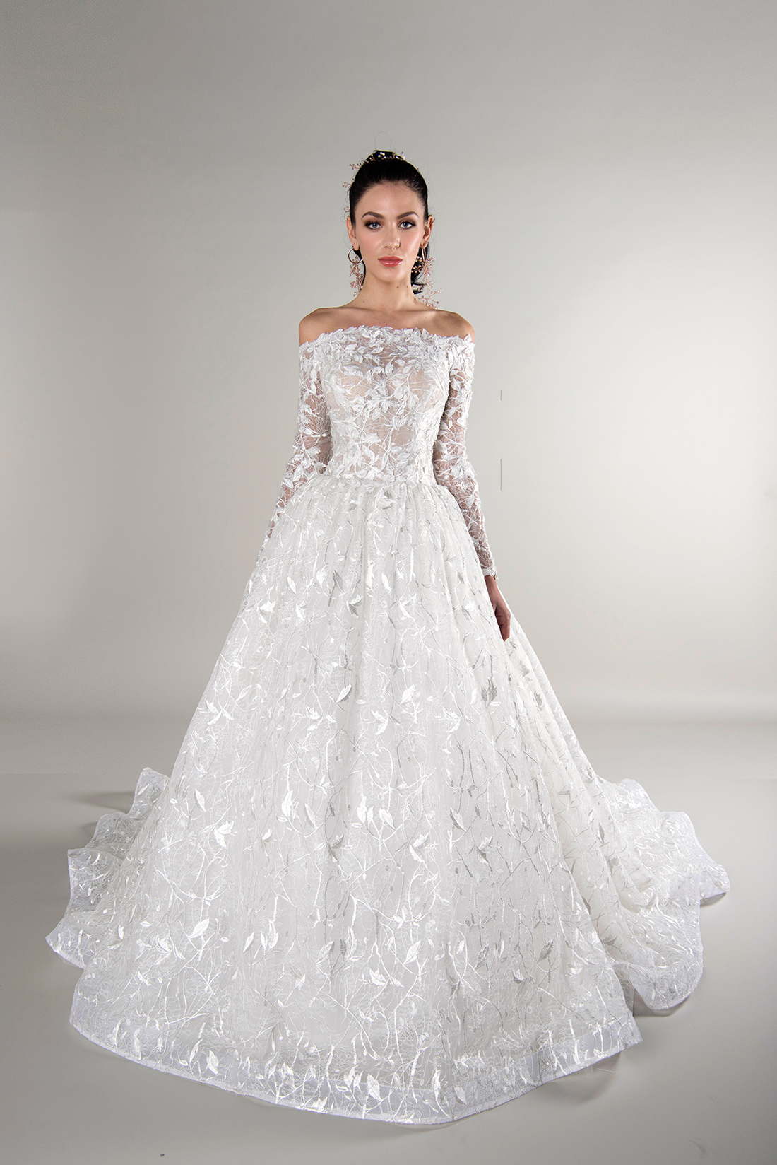 yumi katsura fall 2019 ball gown off the shoulder long sleeve sheer floral applique lace