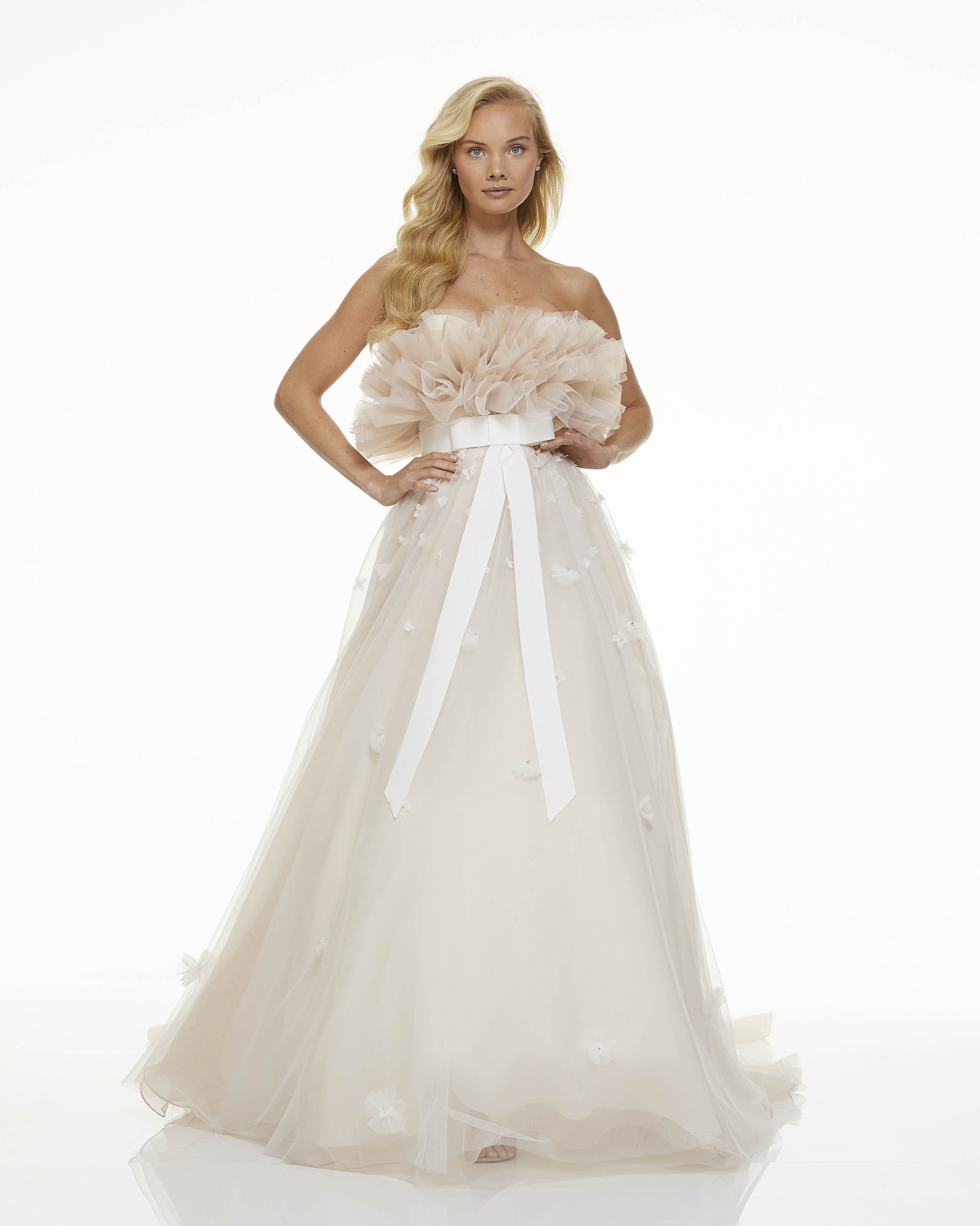 mark zunino fall 2019 ball gown strapless tulle bodice bow belt