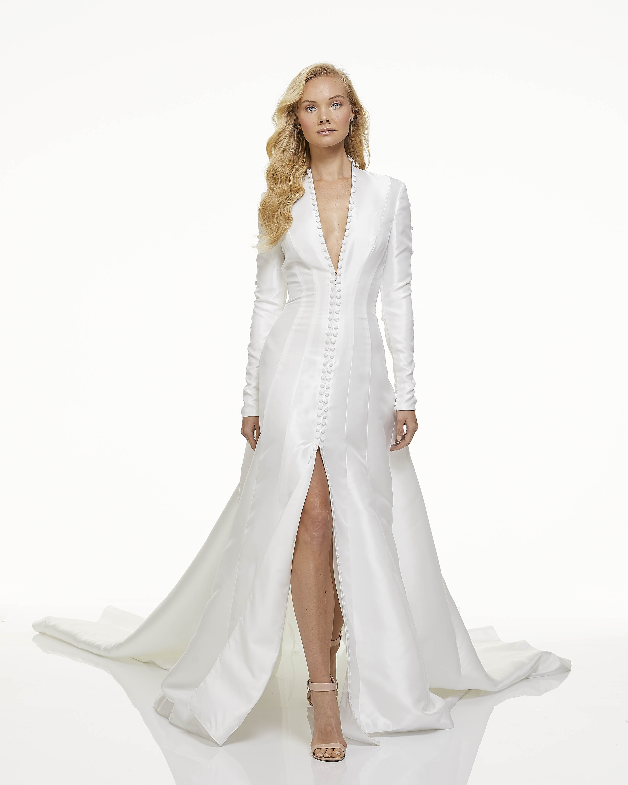 mark zunino fall 2019 a line high slit plunging v neck long sleeve buttons