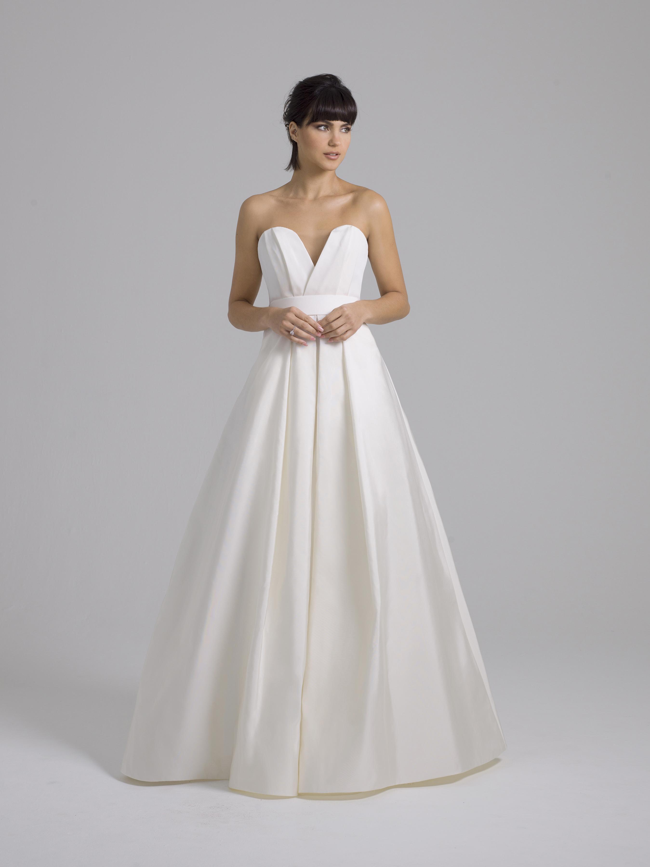 Liancarlo a-line wedding dress with sweetheart neckline fall 2019