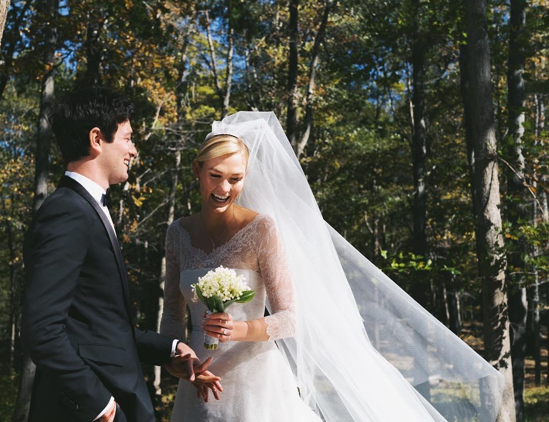 joshua kushner and karlie kloss on their wedding day