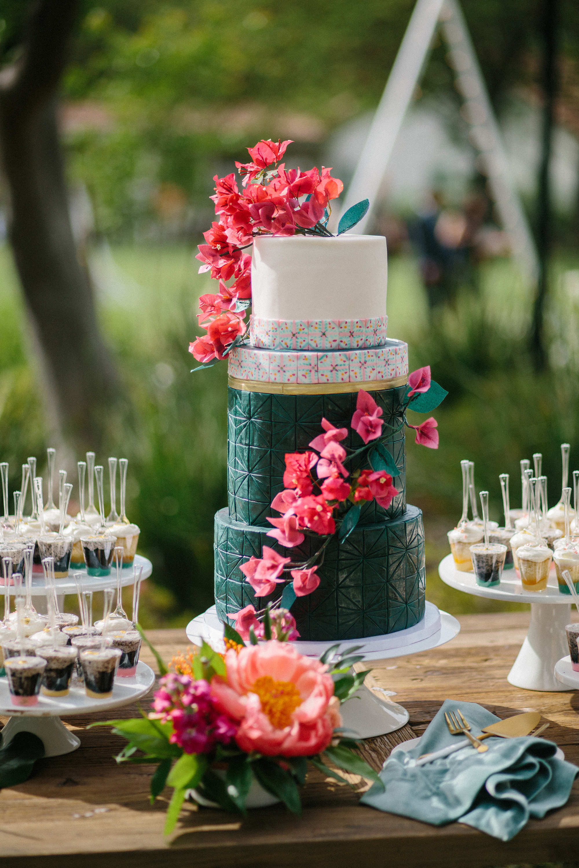 amy mark california green cake with bright pink flowers