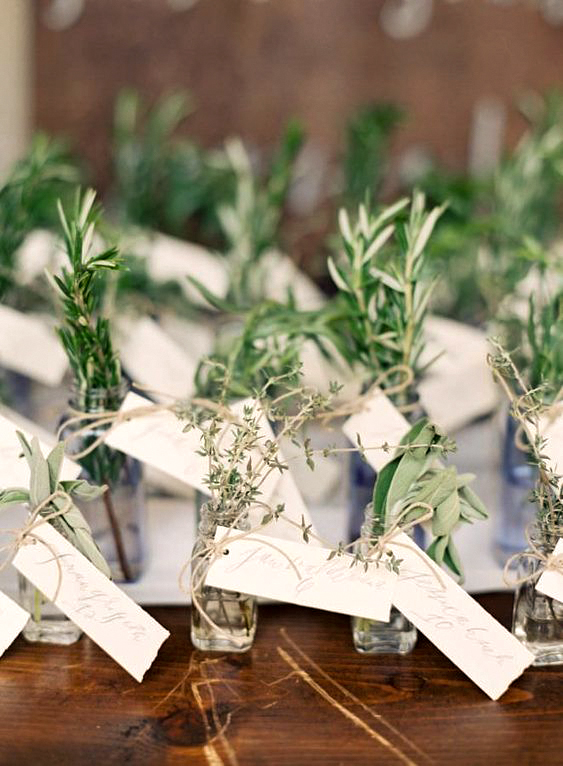 herb bunches with display cards