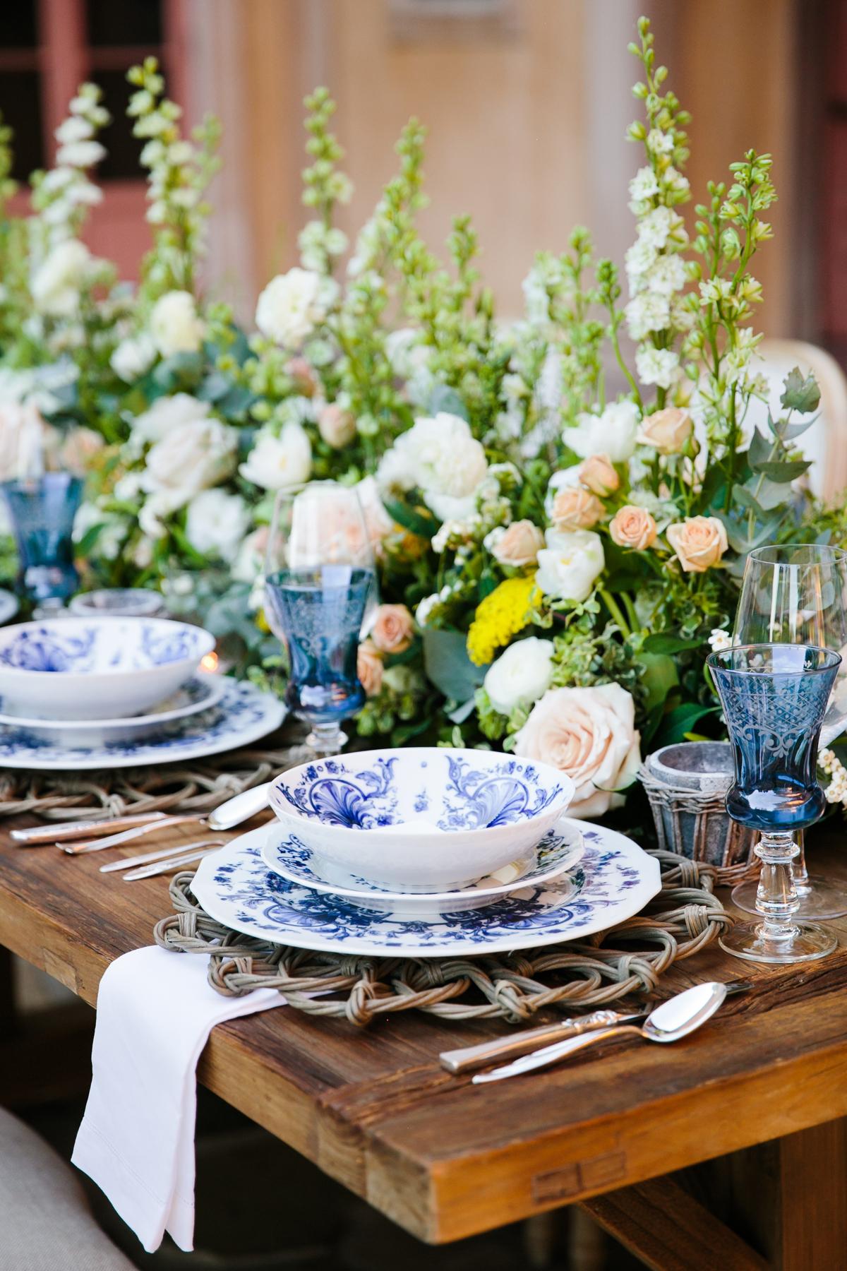 Chinoiserie-inspired Theoni dinnerware
