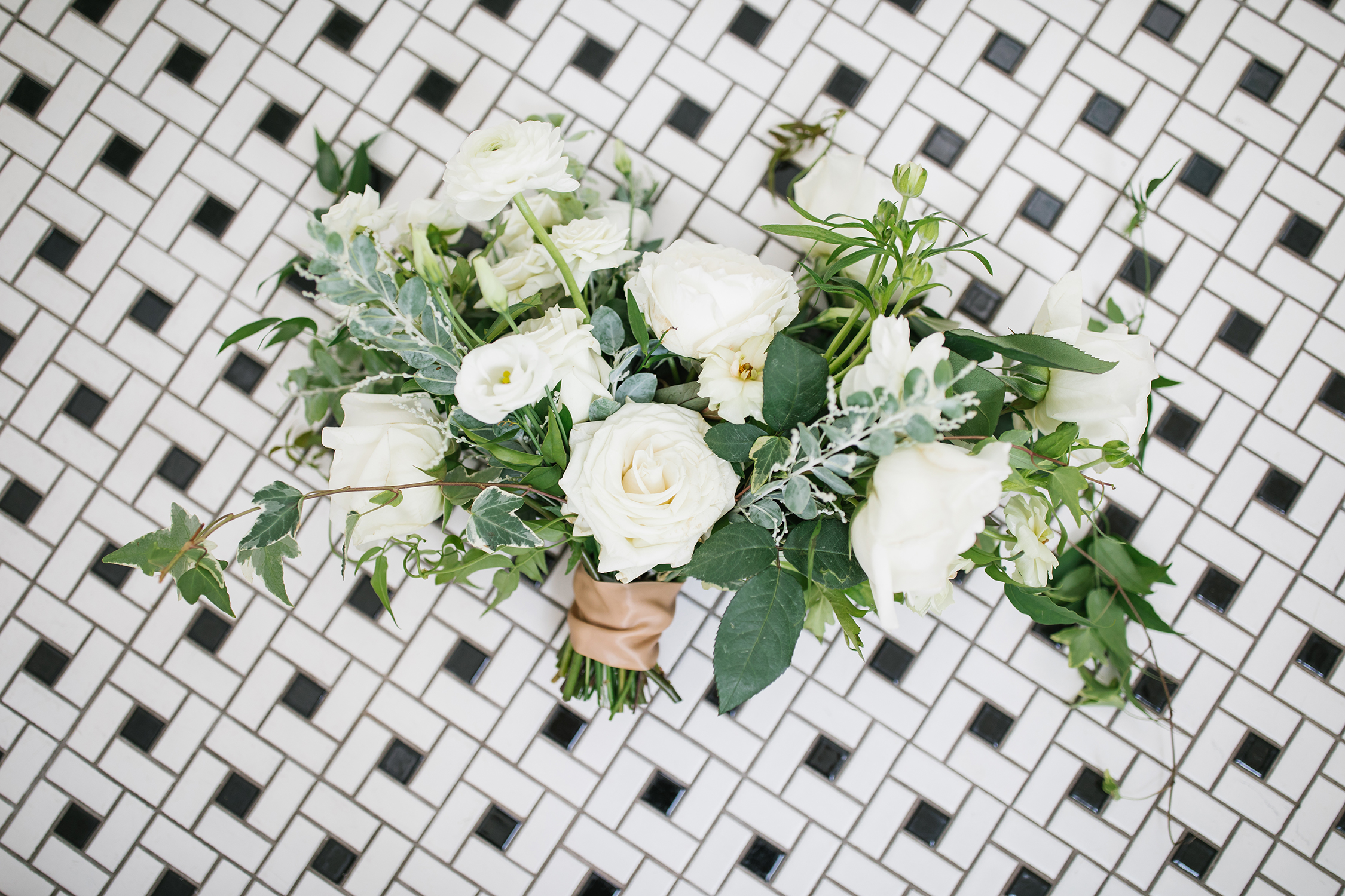leather wedding ideas modern bouquet wrap