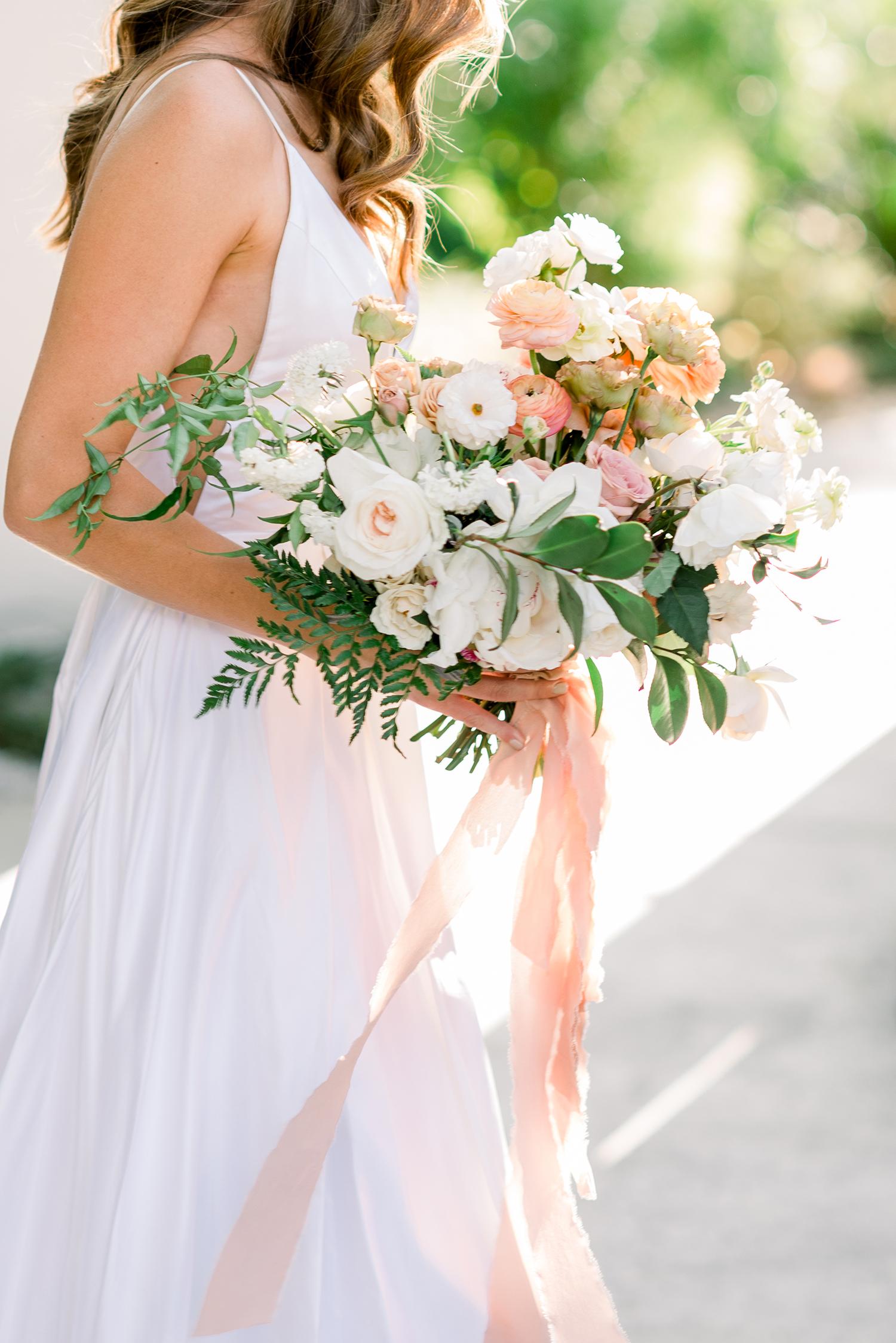 hanna will wedding bride bouquet