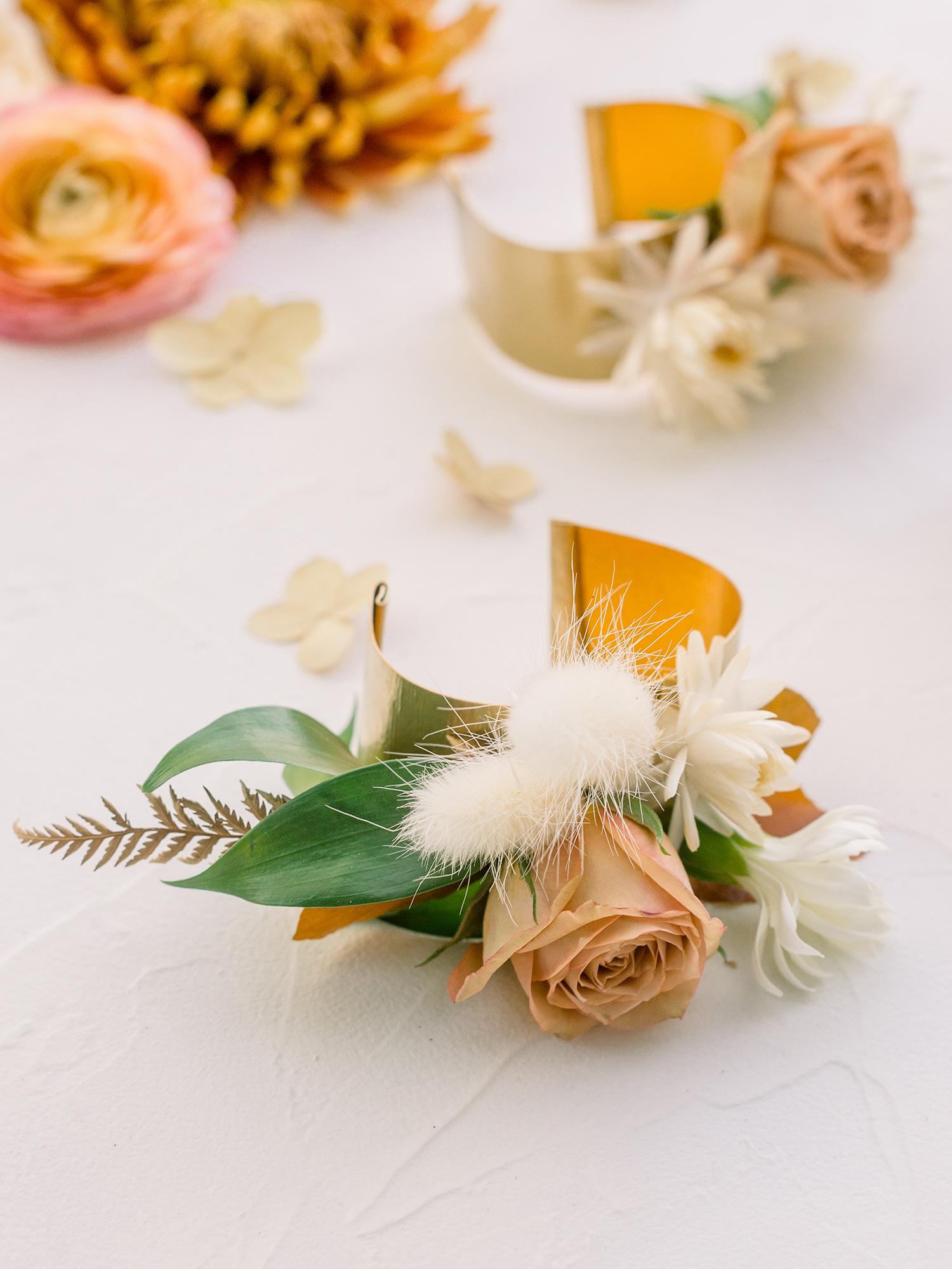 hanna will wedding boutonniere