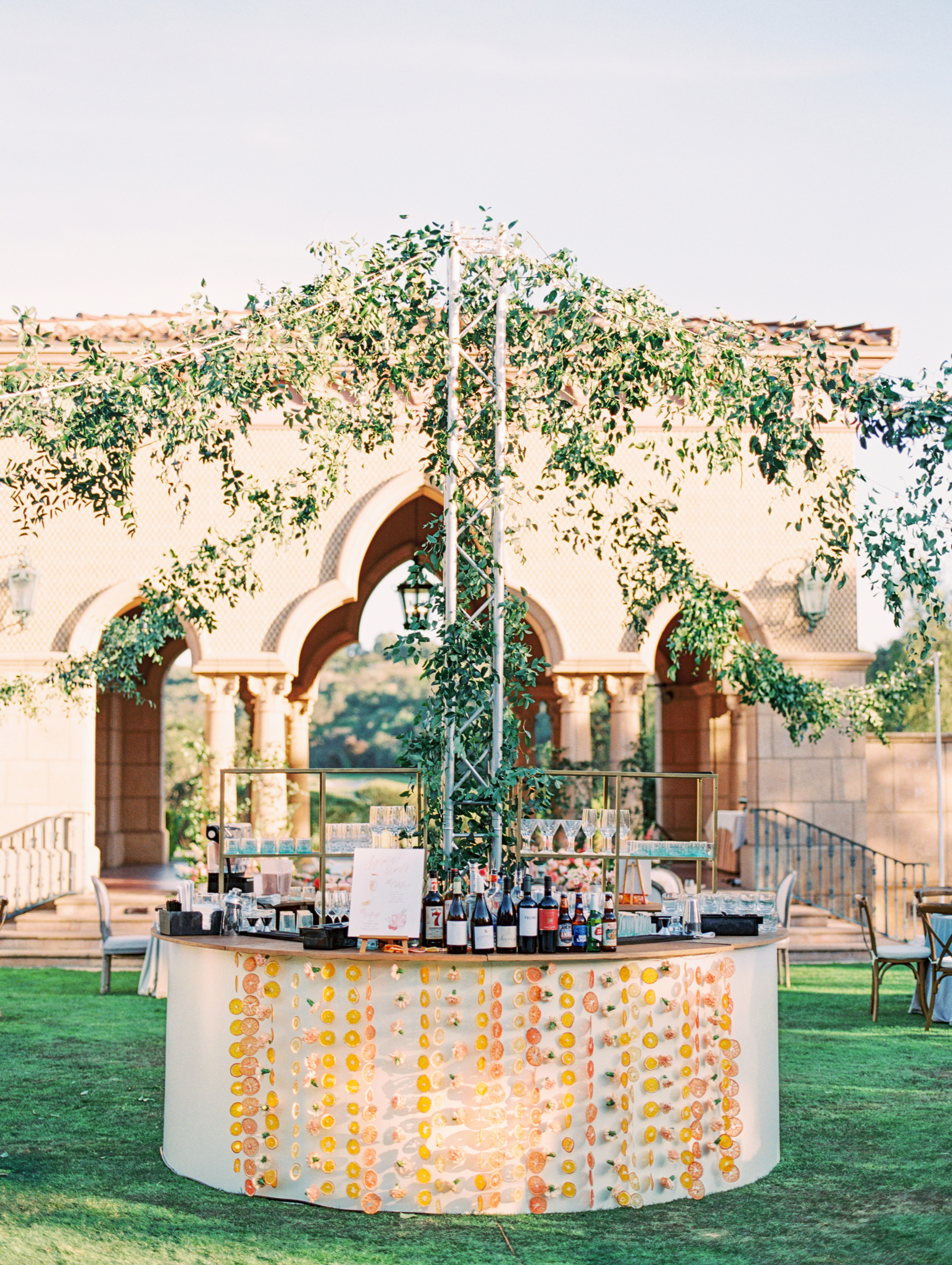 cavin david wedding round bar