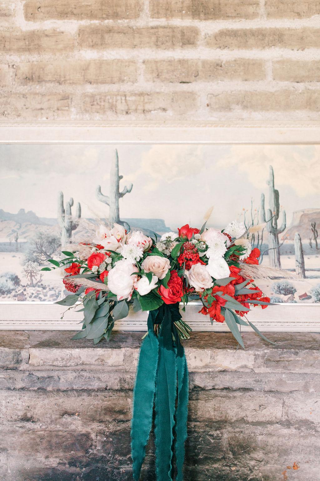 meagan robert wedding red and beige bouquet