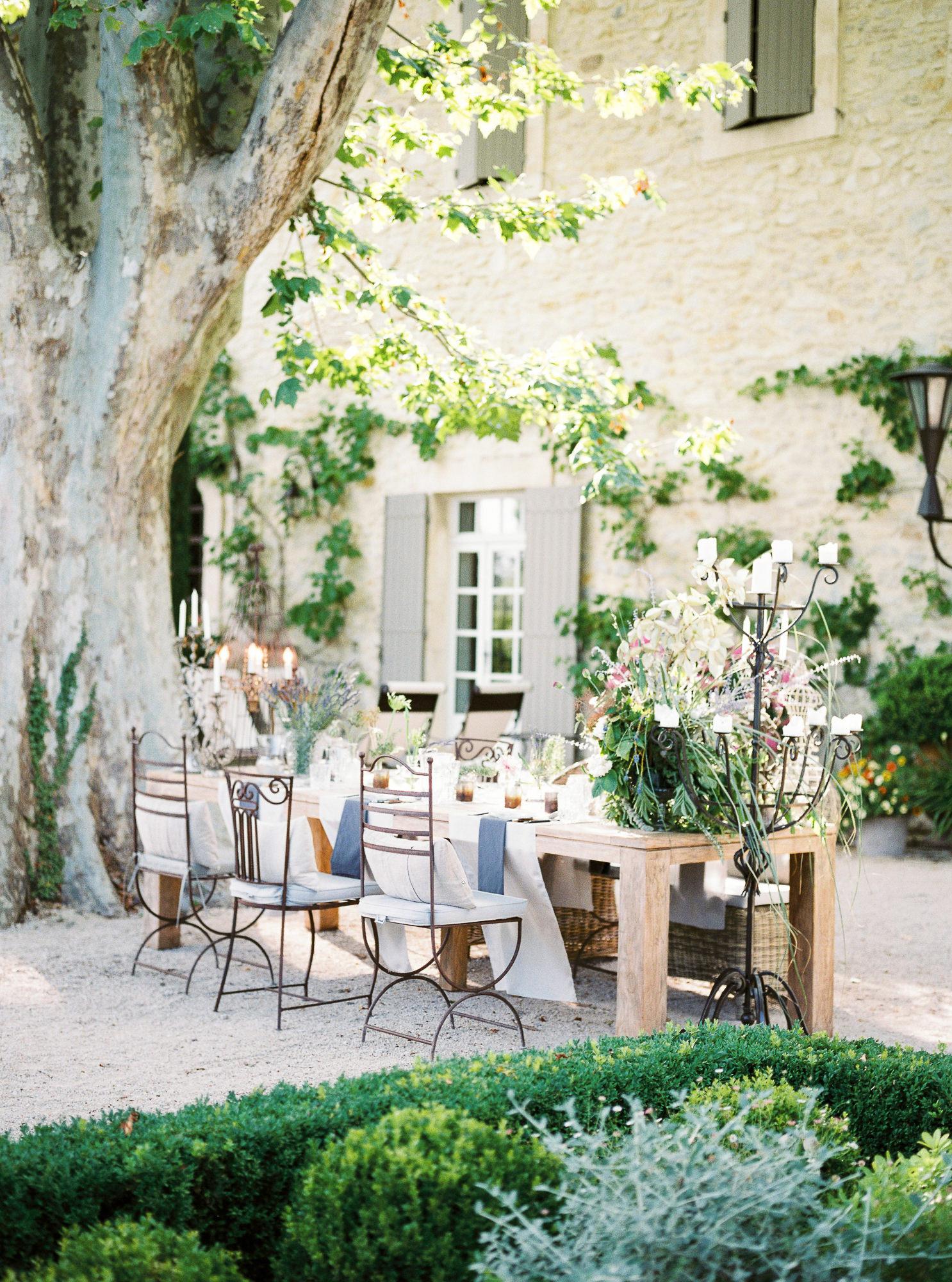 samantha grayson wedding reception table