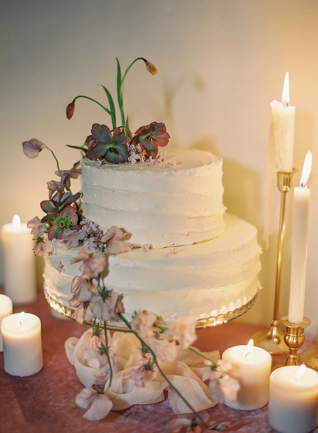 jen alan wedding cake by candlelight