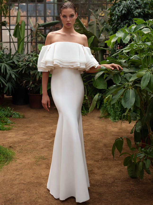 Zac Posen For White One off the shoulder trumpet wedding dress fall 2020